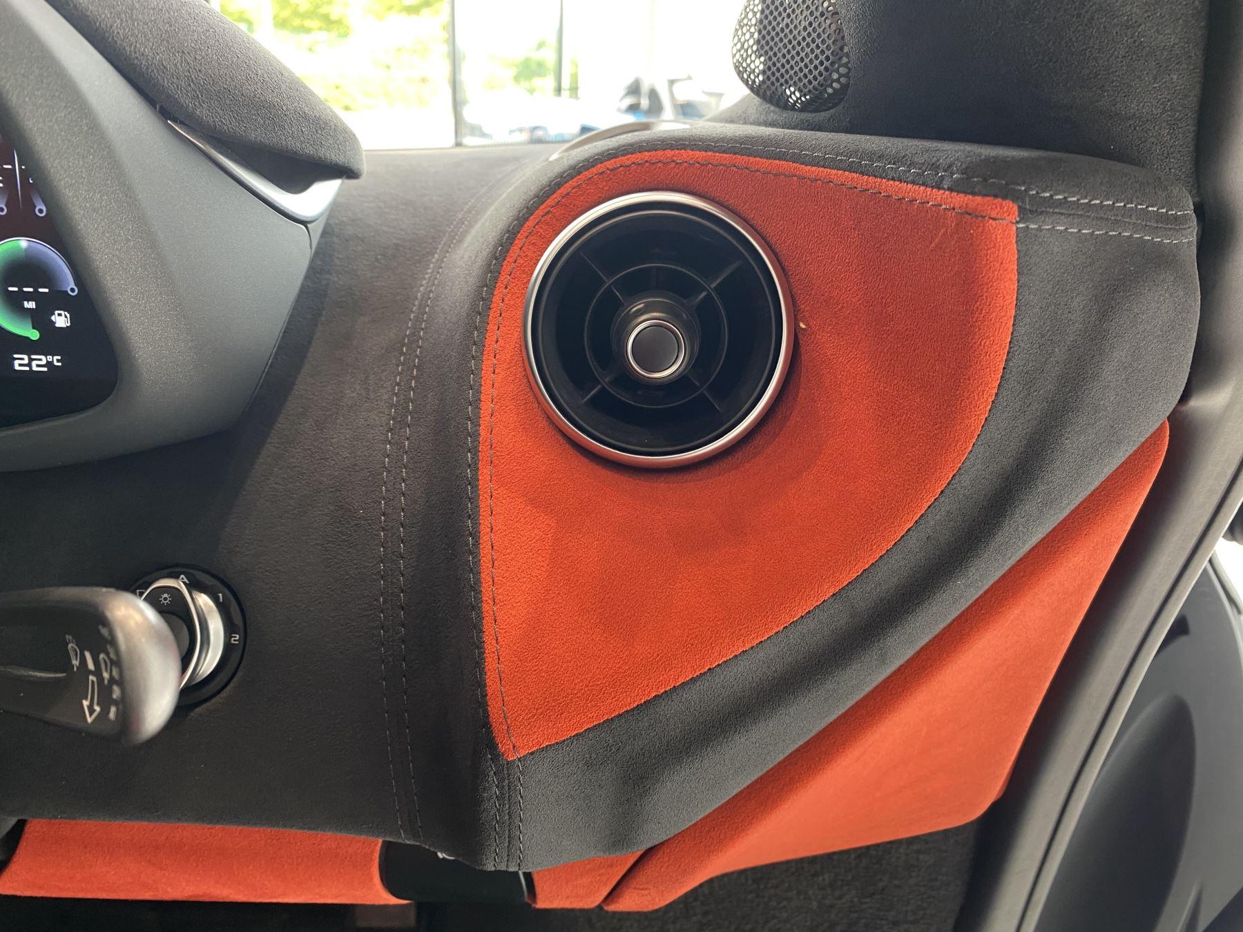 McLaren 600LT Spider V8 2dr SSG image 34