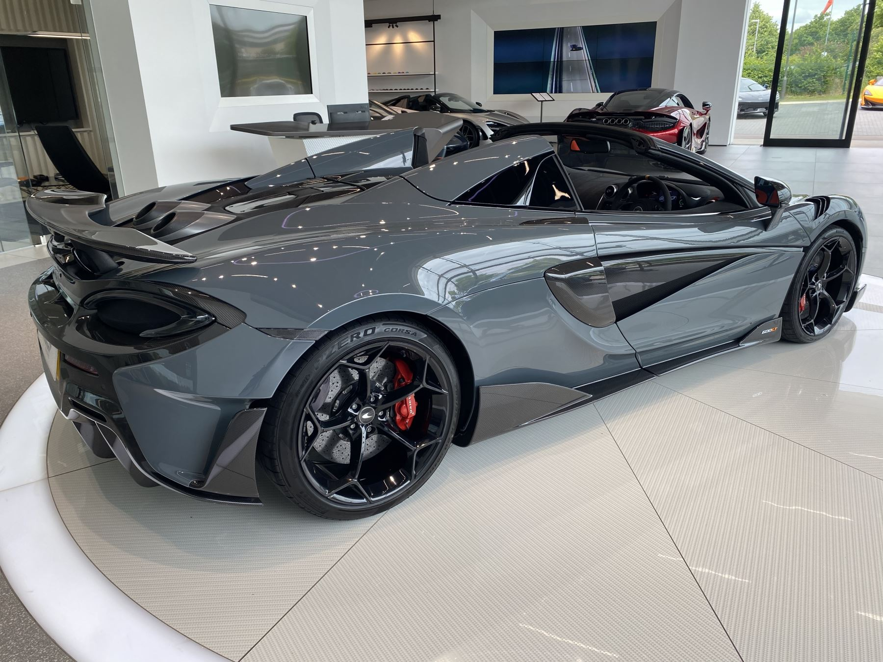 McLaren 600LT Spider V8 2dr SSG image 18