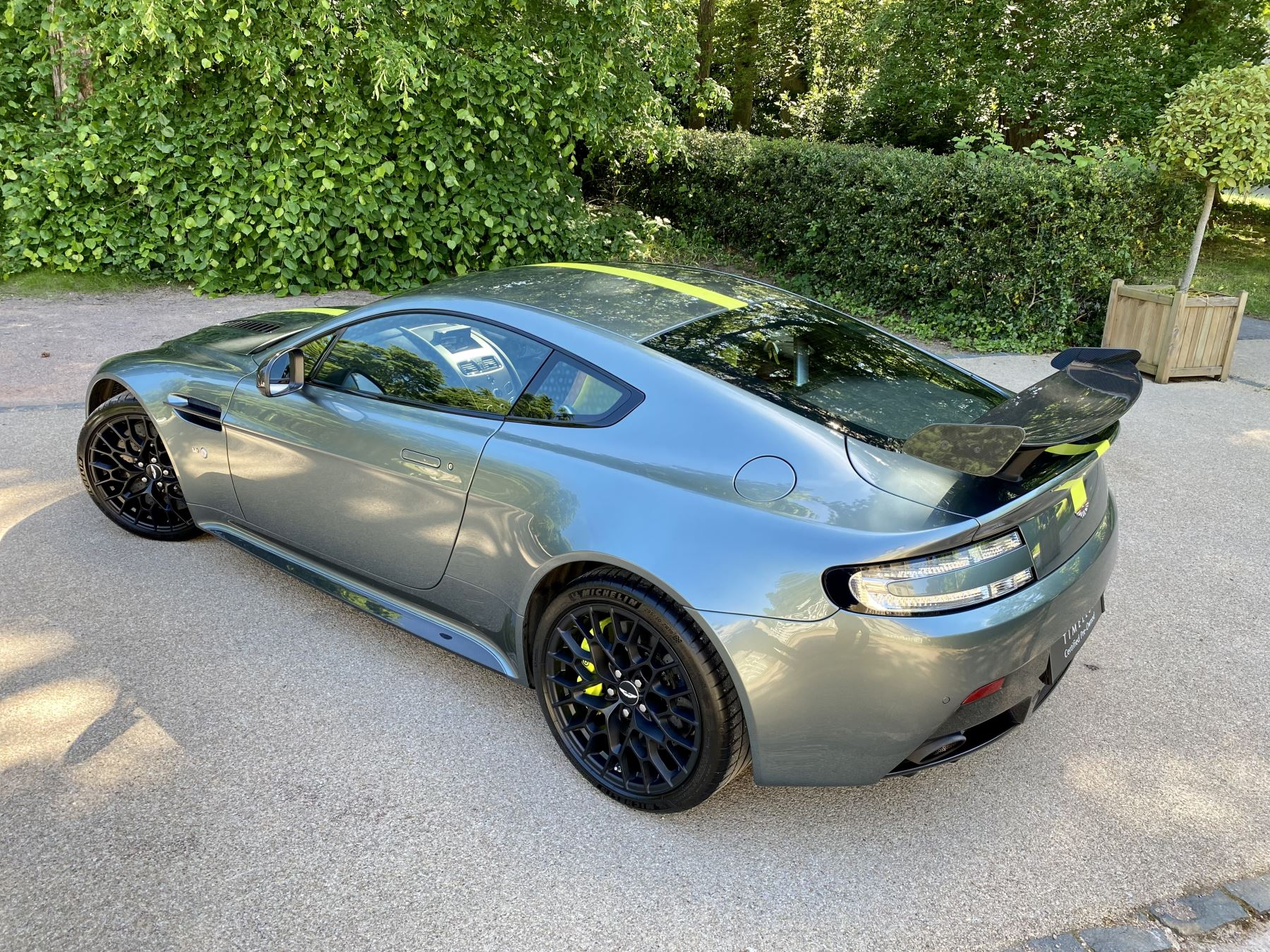 Aston Martin V12 Vantage AMR 6.0 V12 600BHP Manual 1 of 100.     1 Owner From New, Full Aston Martin History. image 10