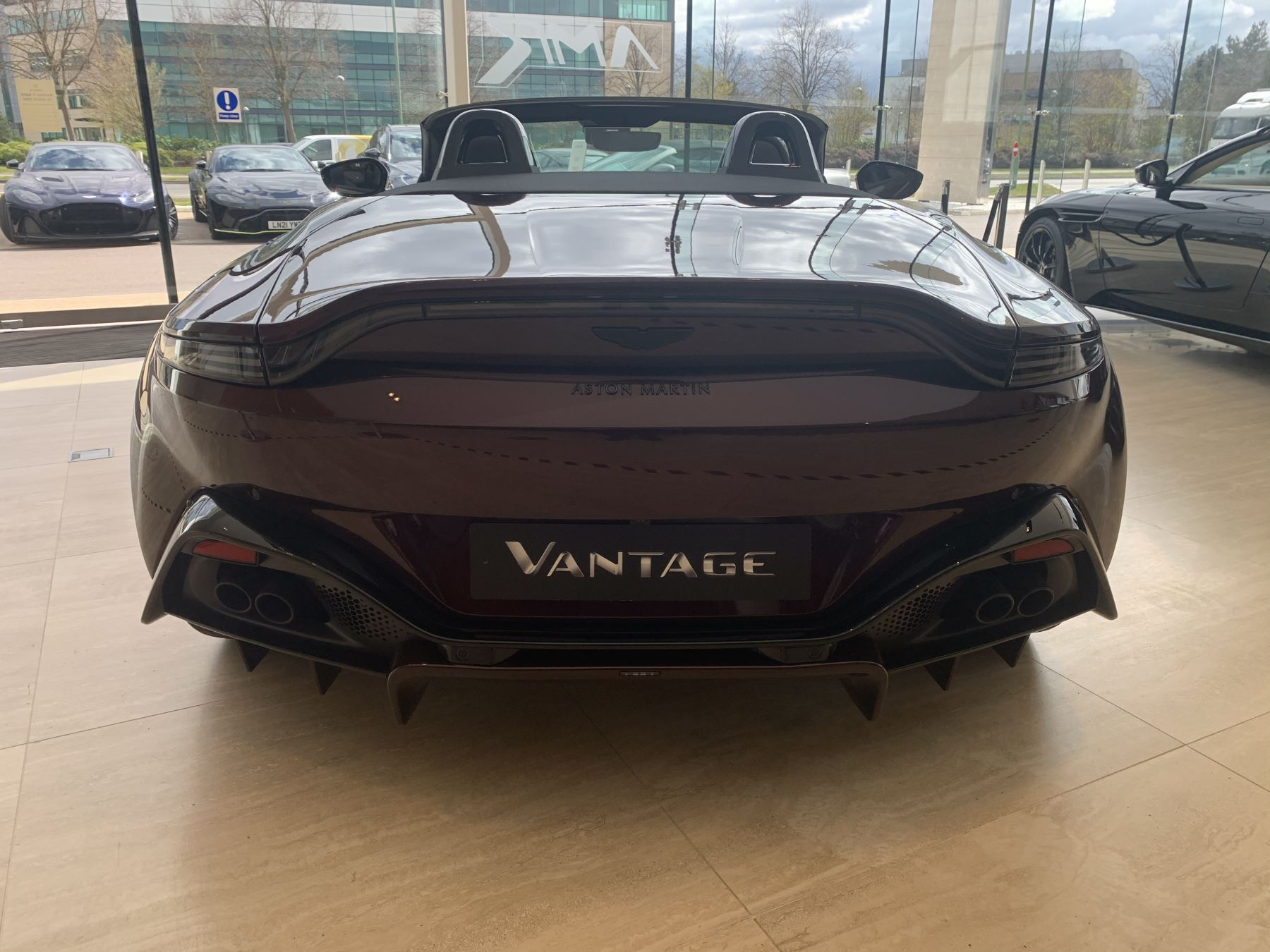 Aston Martin V8 Vantage Convertible Touchtronic 3 image 4