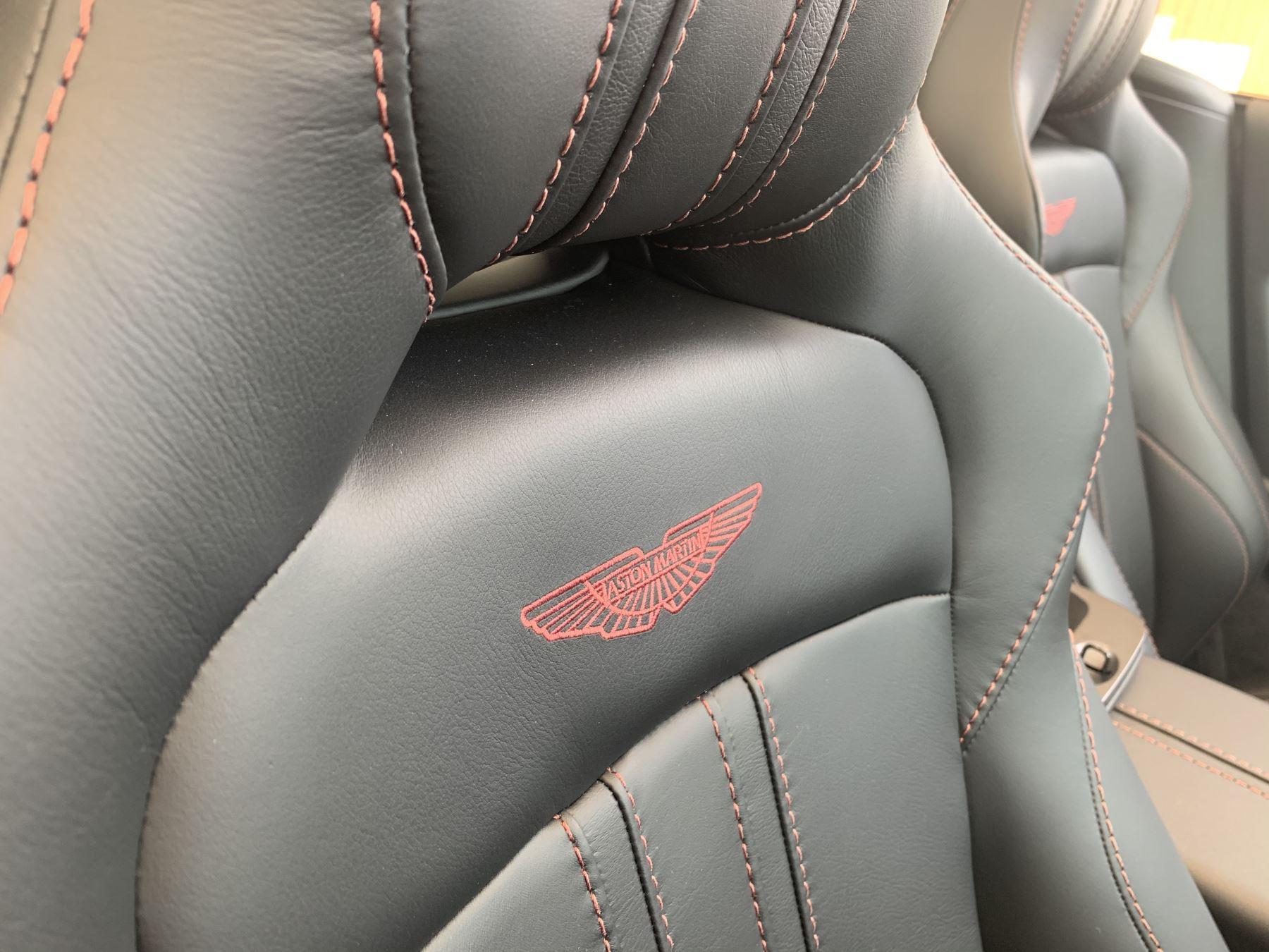 Aston Martin V8 Vantage Convertible Touchtronic 3 image 7