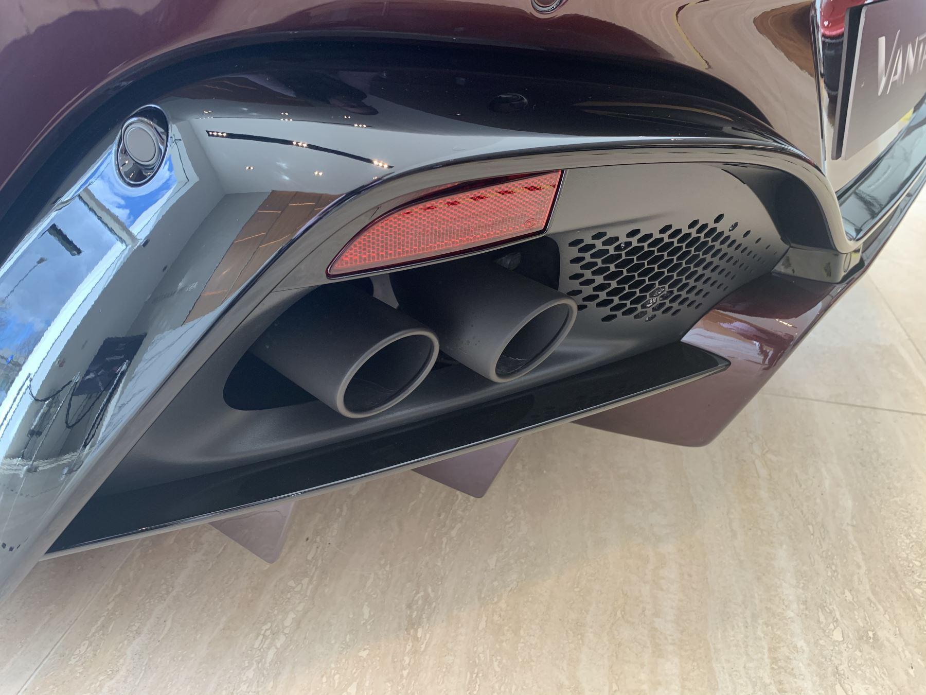 Aston Martin V8 Vantage Convertible Touchtronic 3 image 11