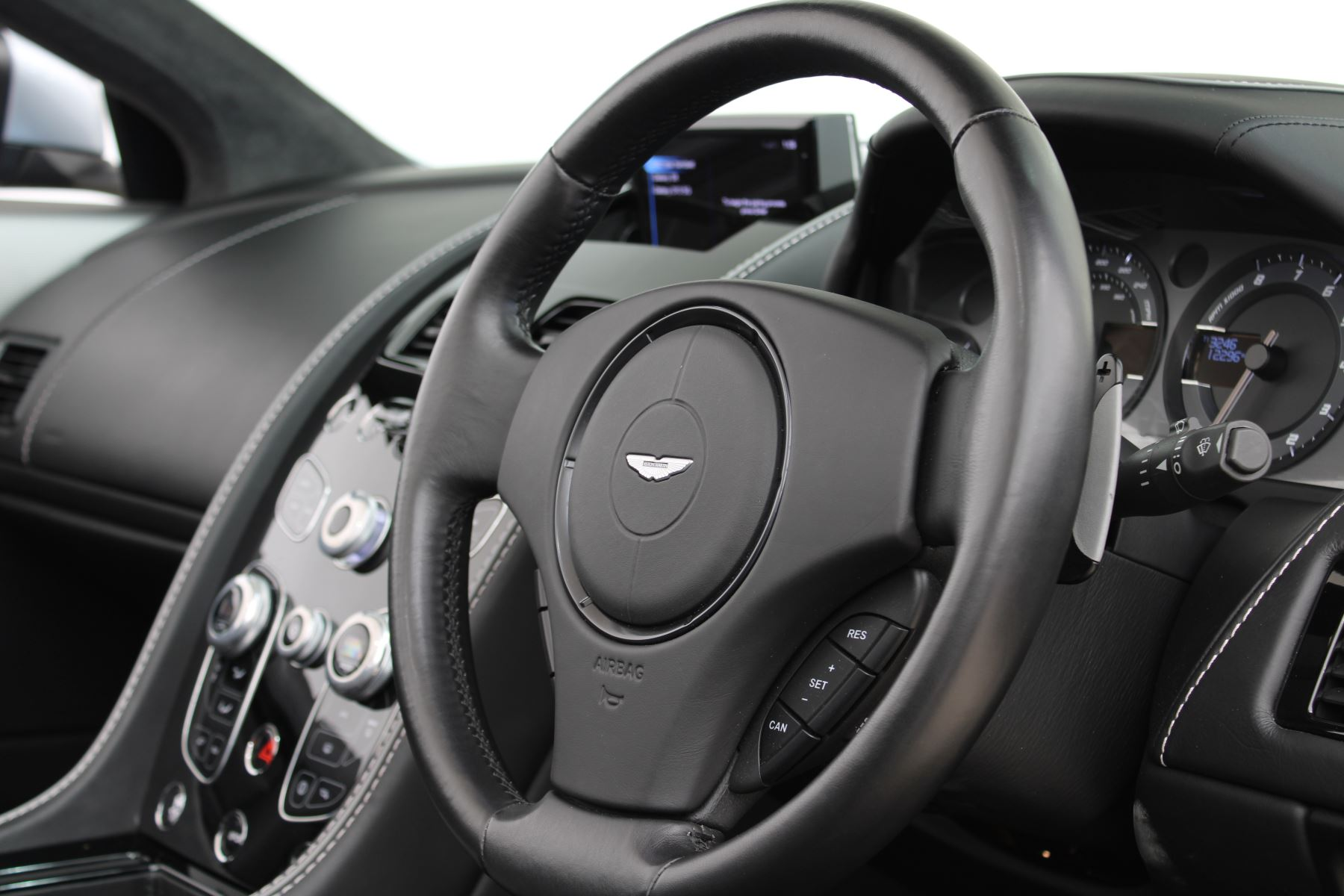 Aston Martin DB9 V12 GT 2dr Volante Skyfall Silver image 6