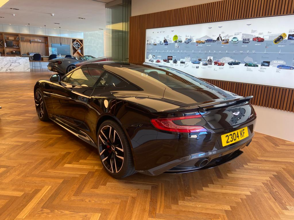 Aston Martin Vanquish V12 [568] 2+2 2dr Touchtronic 8 speed Carbon 17 Model Year Apple Car Play  image 18