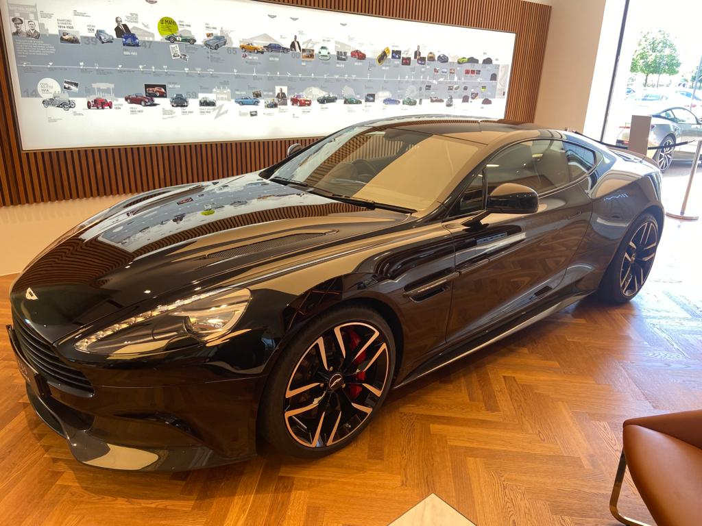 Aston Martin Vanquish V12 [568] 2+2 2dr Touchtronic 8 speed Carbon 17 Model Year Apple Car Play  image 3