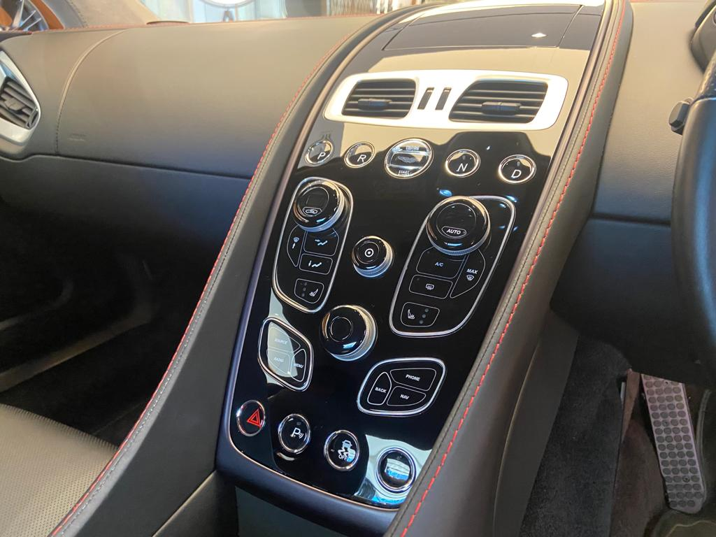 Aston Martin Vanquish V12 [568] 2+2 2dr Touchtronic 8 speed Carbon 17 Model Year Apple Car Play  image 22