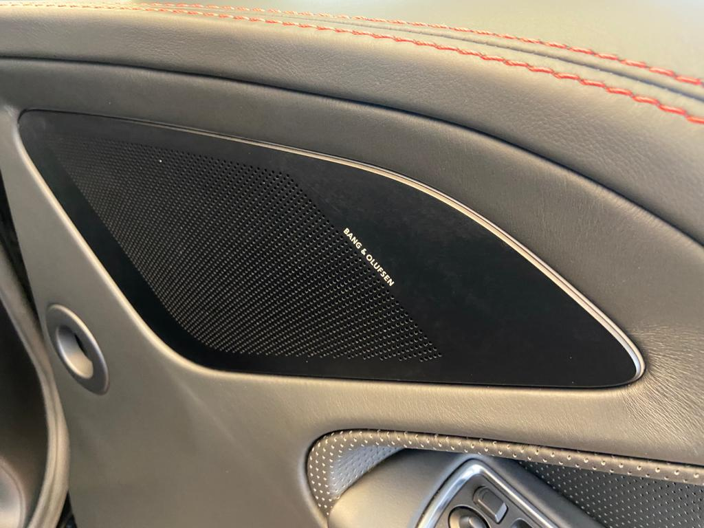 Aston Martin Vanquish V12 [568] 2+2 2dr Touchtronic 8 speed Carbon 17 Model Year Apple Car Play  image 24