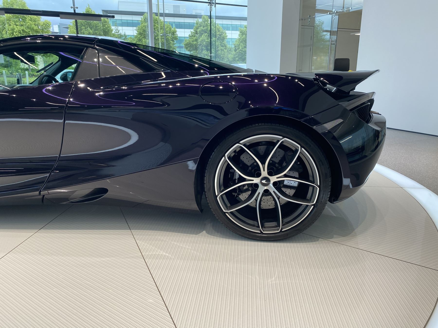 McLaren 720S Spider V8 2dr SSG  MSO PAINT SPOORTS EXHAUST SUPERB VALUE image 4