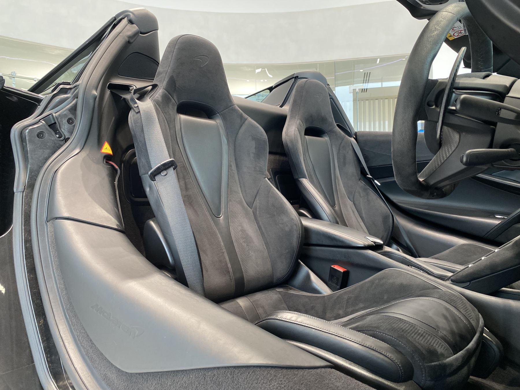 McLaren 720S Spider V8 2dr SSG  MSO PAINT SPOORTS EXHAUST SUPERB VALUE image 25
