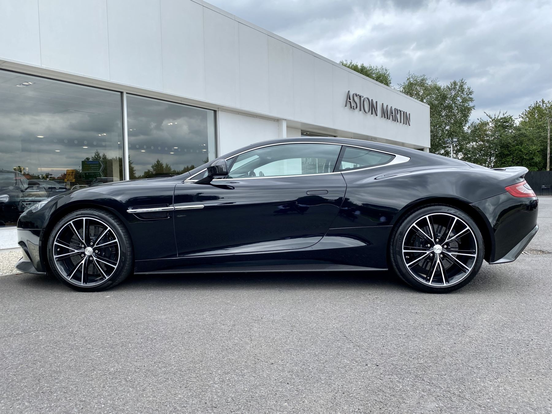 Aston Martin Vanquish V12 [568] 2+2 2dr Touchtronic 3 8 Speed, 2 Owners From New, Onyx Black, Bang And Olufsen. image 4