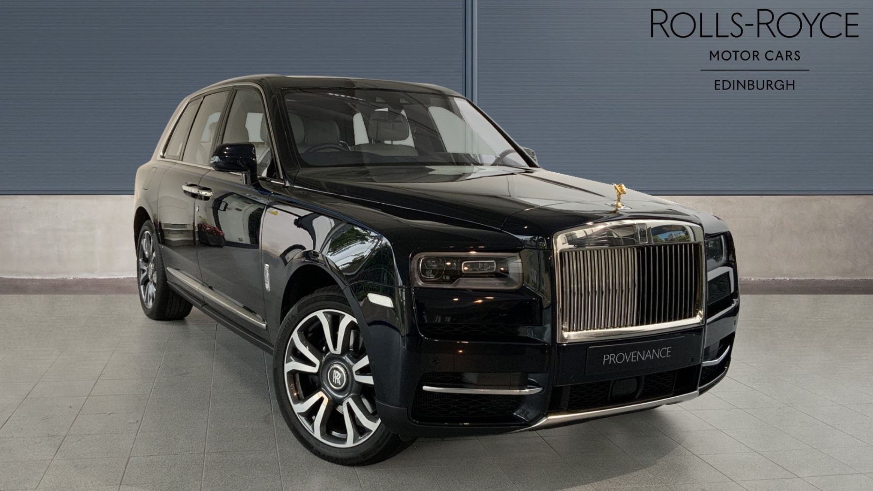 Rolls-Royce Cullinan V12 - Rear Theatre - Champagne Cooler - Golden SOE 6.6 Automatic 4 door 4x4 (2018)