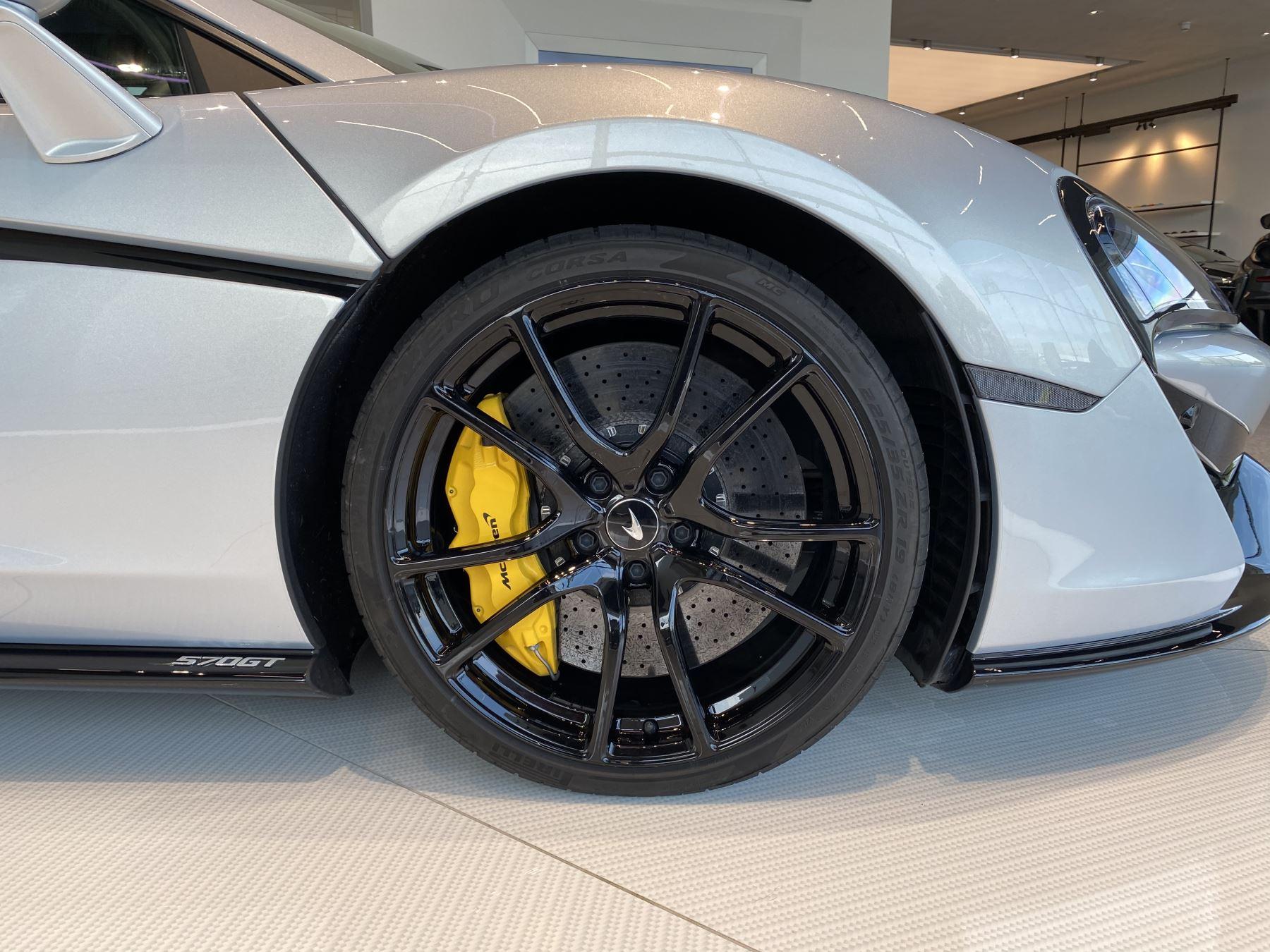 McLaren 570GT V8 2dr SSG RARE MSO BLACK PACK image 5