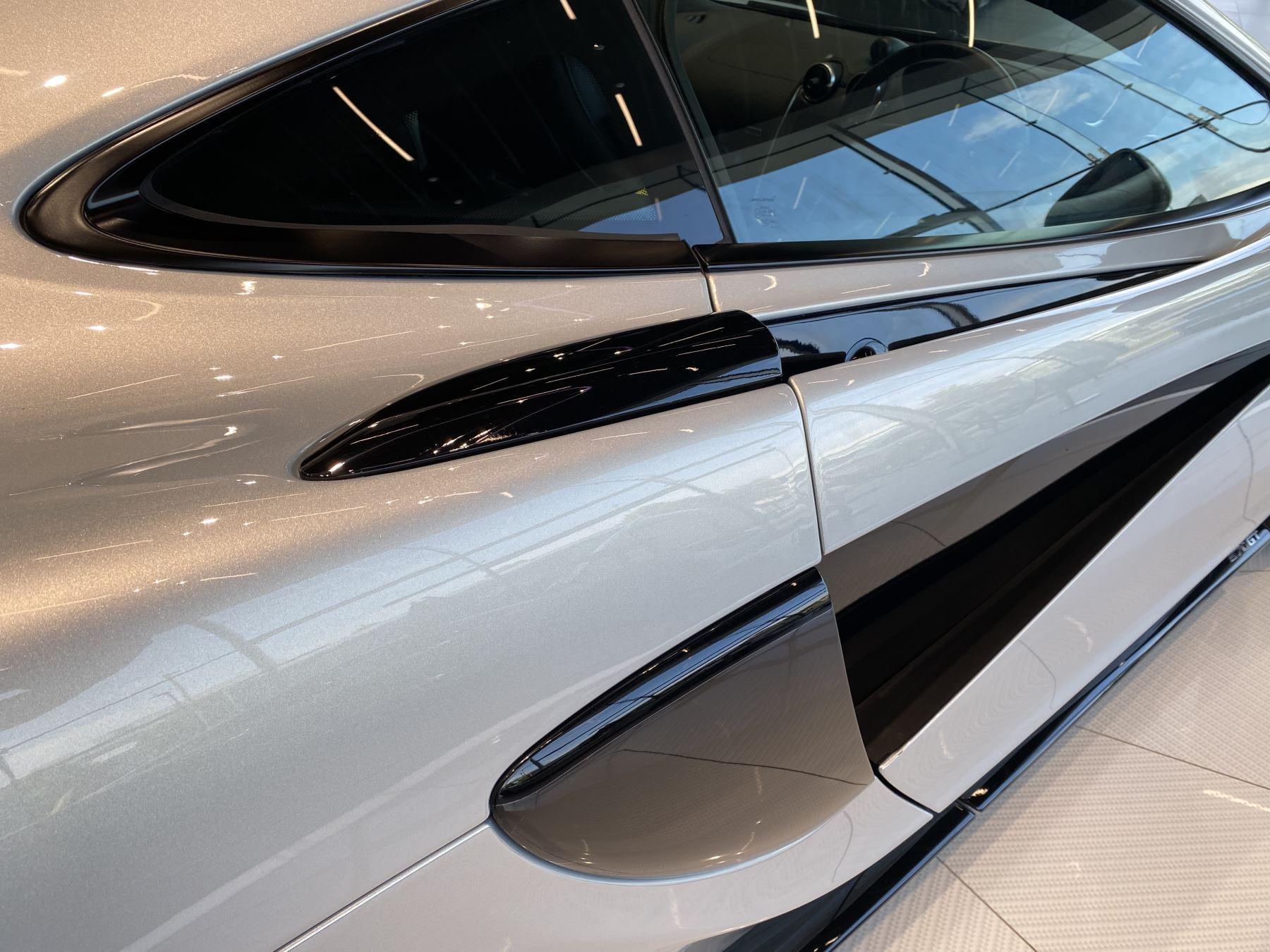 McLaren 570GT V8 2dr SSG RARE MSO BLACK PACK image 10