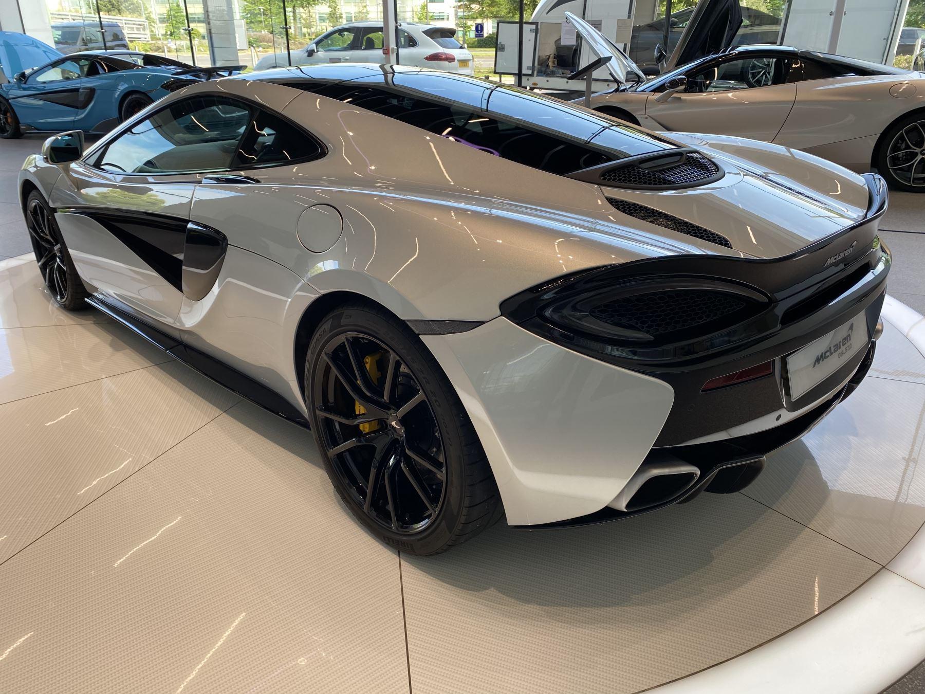 McLaren 570GT V8 2dr SSG RARE MSO BLACK PACK image 16