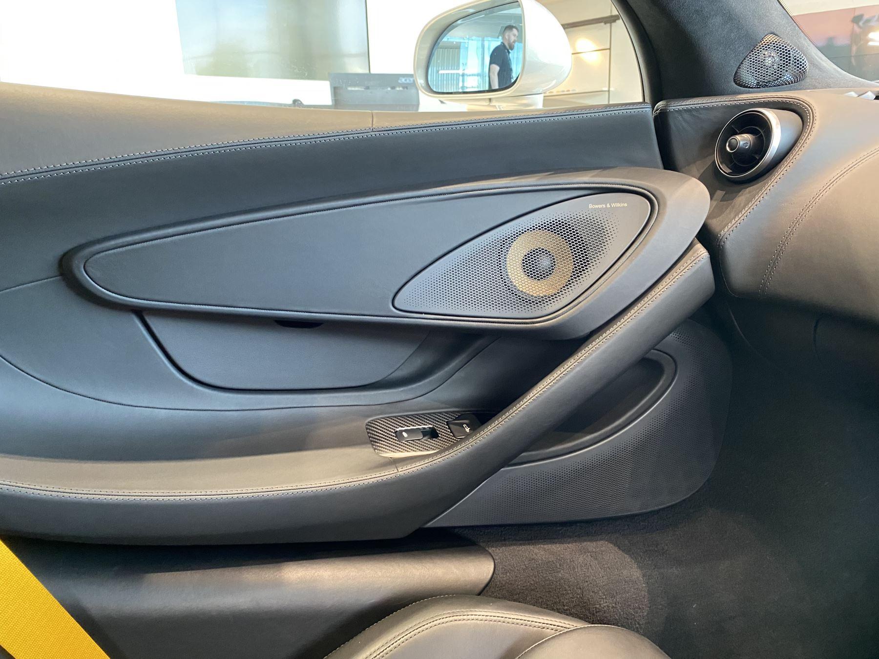 McLaren 570GT V8 2dr SSG RARE MSO BLACK PACK image 35