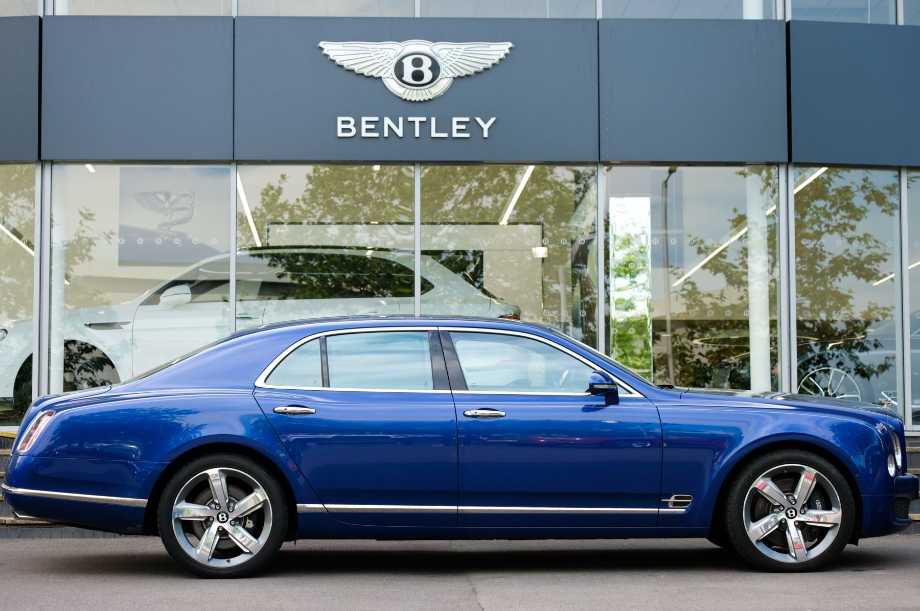 Bentley Mulsanne Speed 6.8 V8 Speed - Speed Premier and Entertainment Specification image 3