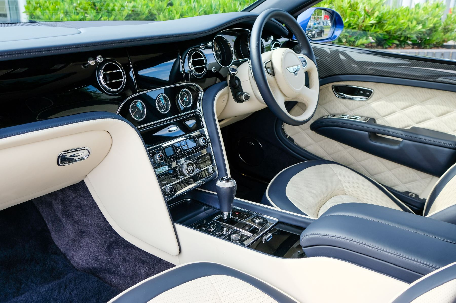 Bentley Mulsanne Speed 6.8 V8 Speed - Speed Premier and Entertainment Specification image 11