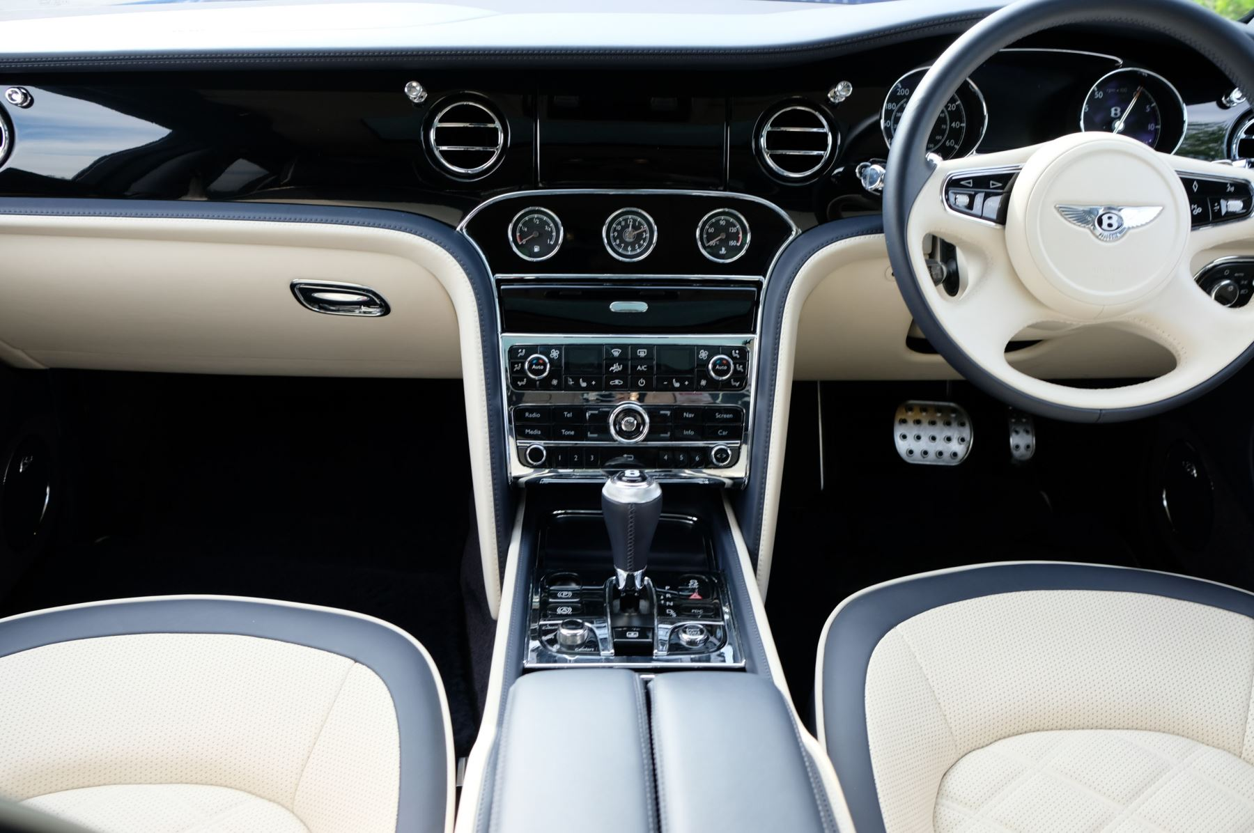Bentley Mulsanne Speed 6.8 V8 Speed - Speed Premier and Entertainment Specification image 13