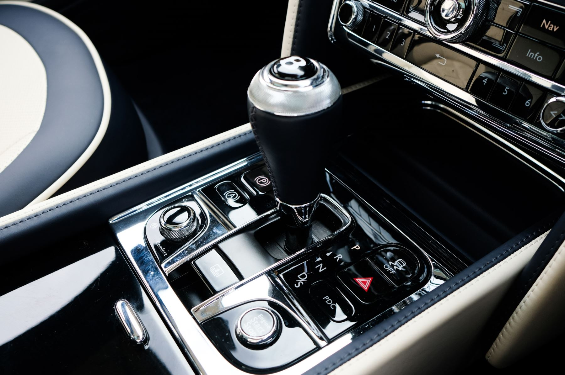 Bentley Mulsanne Speed 6.8 V8 Speed - Speed Premier and Entertainment Specification image 25