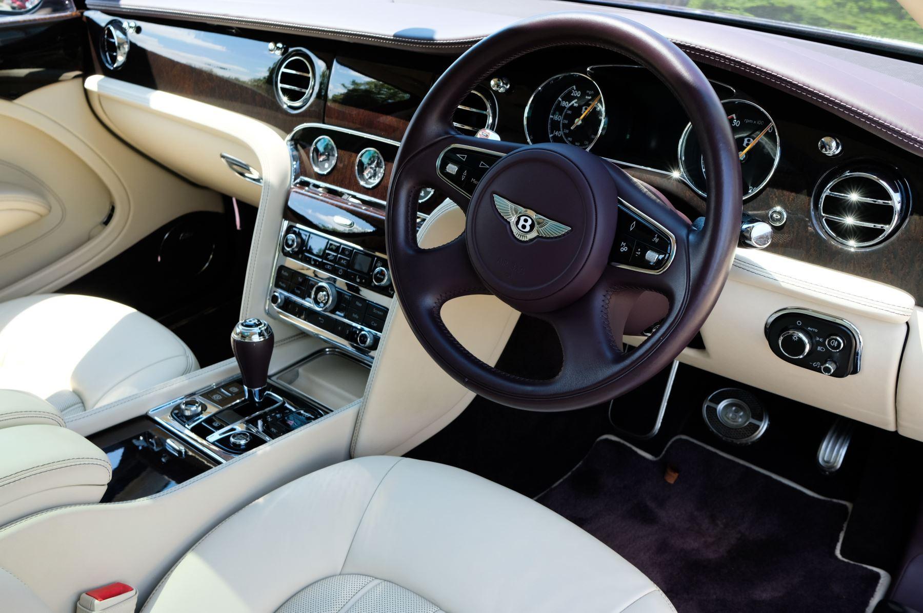 Bentley Mulsanne 6.8 V8 - Comfort, Entertainment and Premier Specification image 11