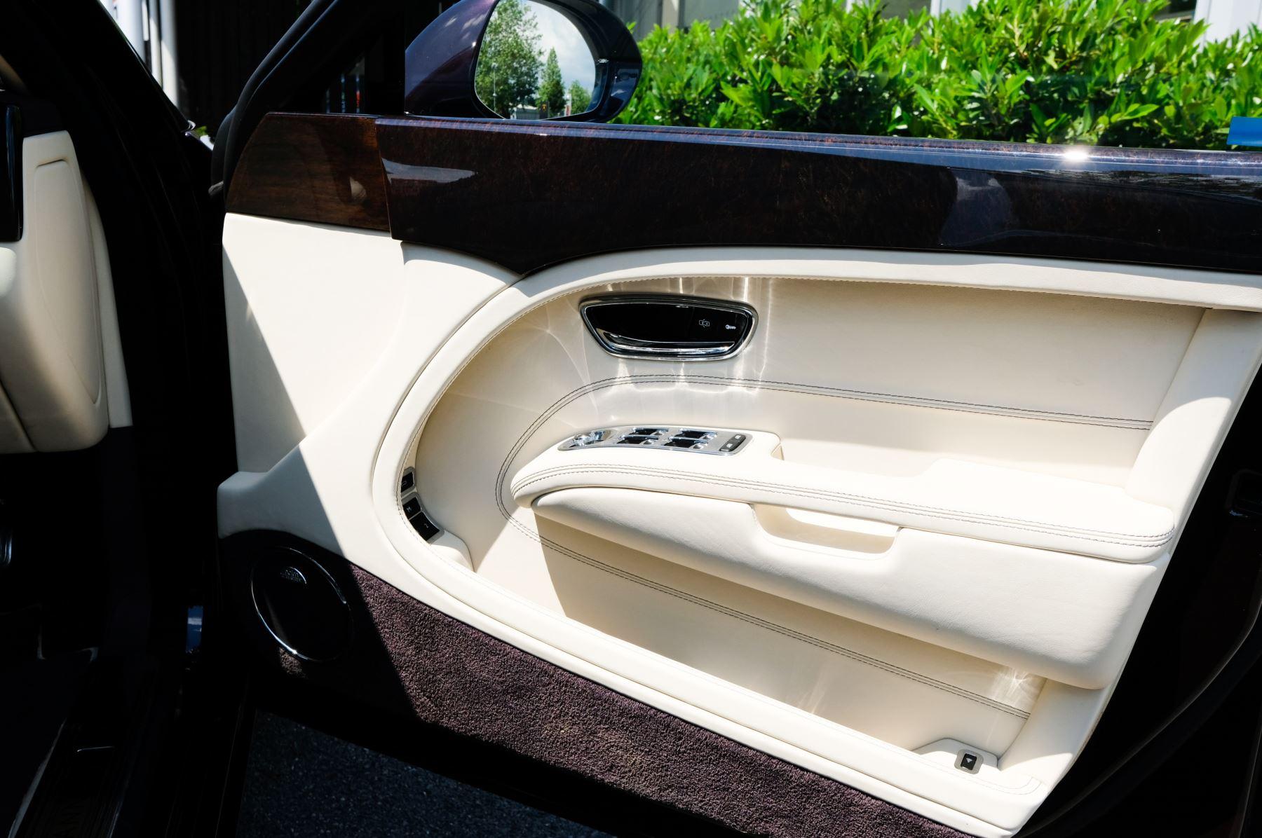 Bentley Mulsanne 6.8 V8 - Comfort, Entertainment and Premier Specification image 17