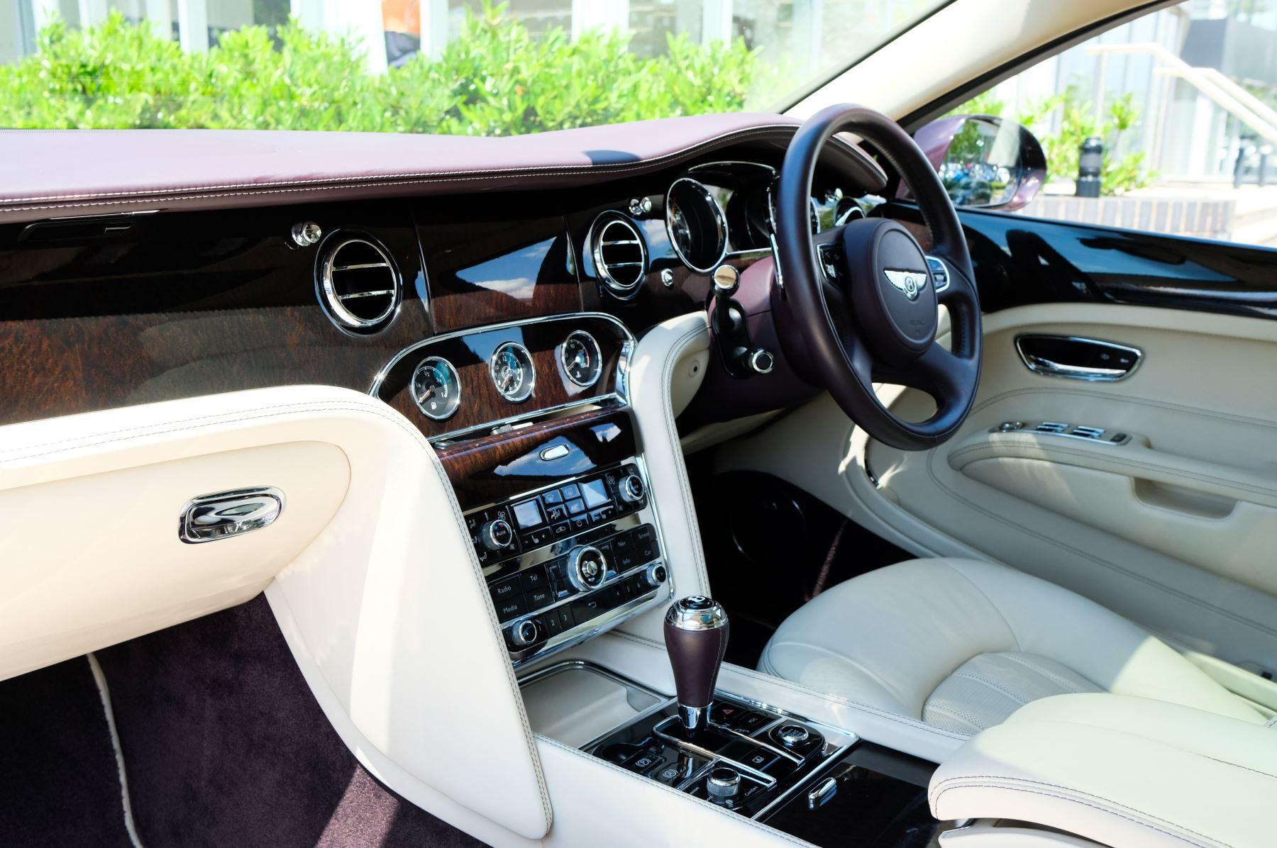 Bentley Mulsanne 6.8 V8 - Comfort, Entertainment and Premier Specification image 10