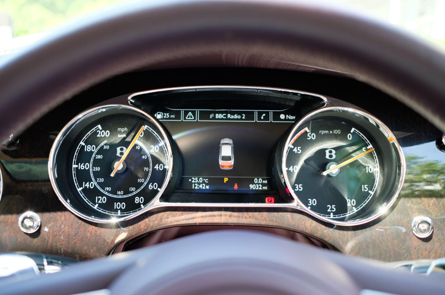 Bentley Mulsanne 6.8 V8 - Comfort, Entertainment and Premier Specification image 16