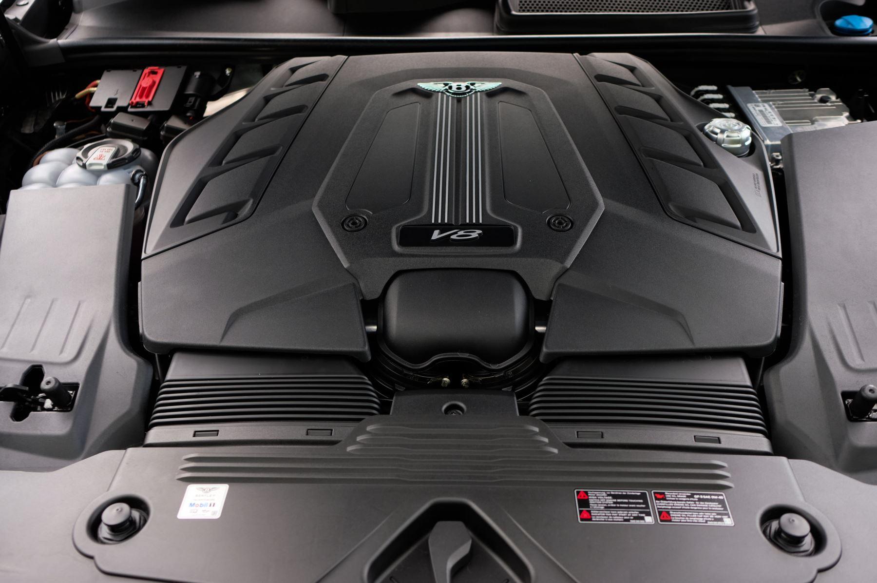 Bentley Bentayga 4.0 V8 - Mulliner Driving Specification for Black Specification image 9