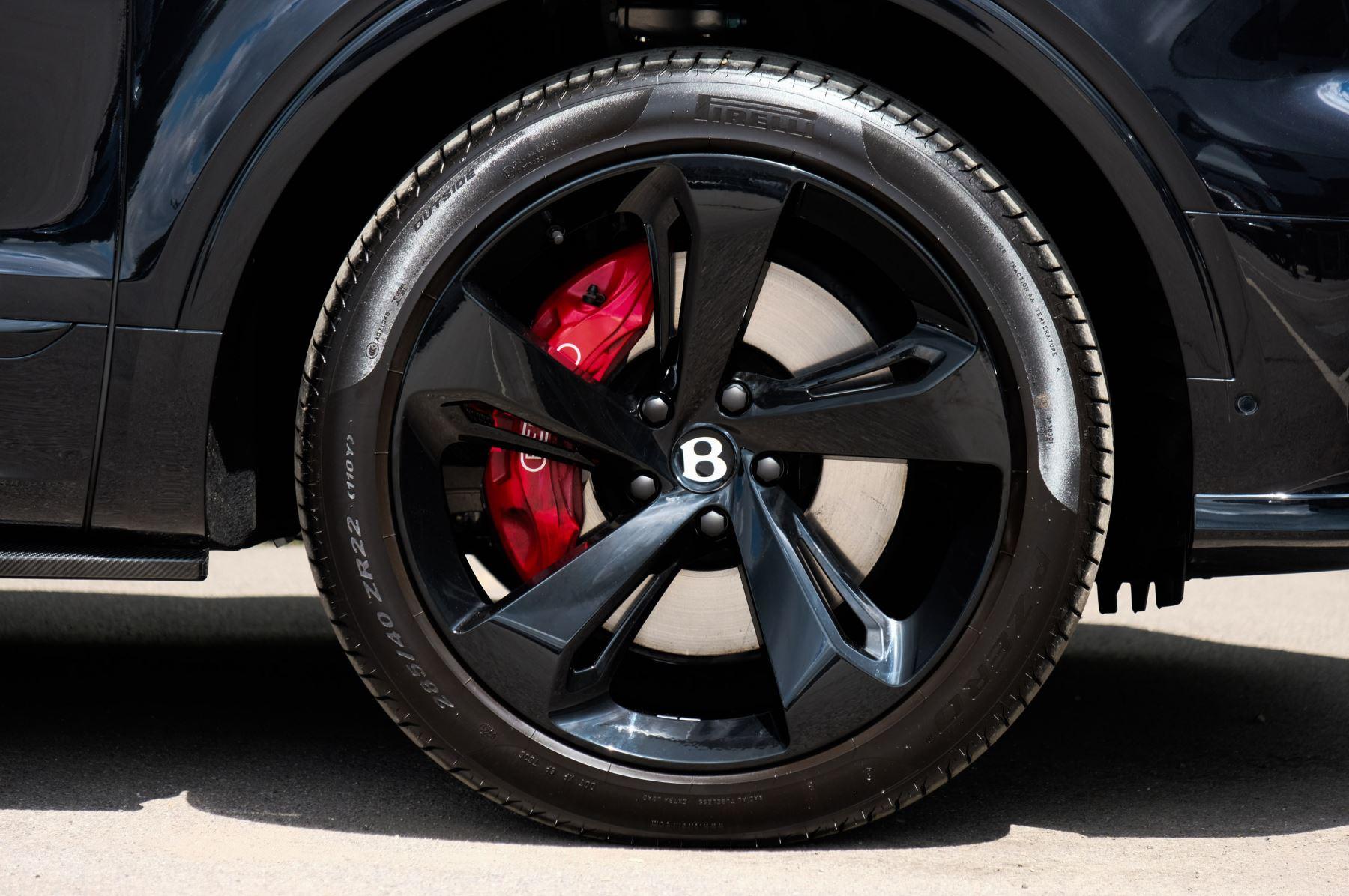 Bentley Bentayga 4.0 V8 - Mulliner Driving Specification for Black Specification image 7