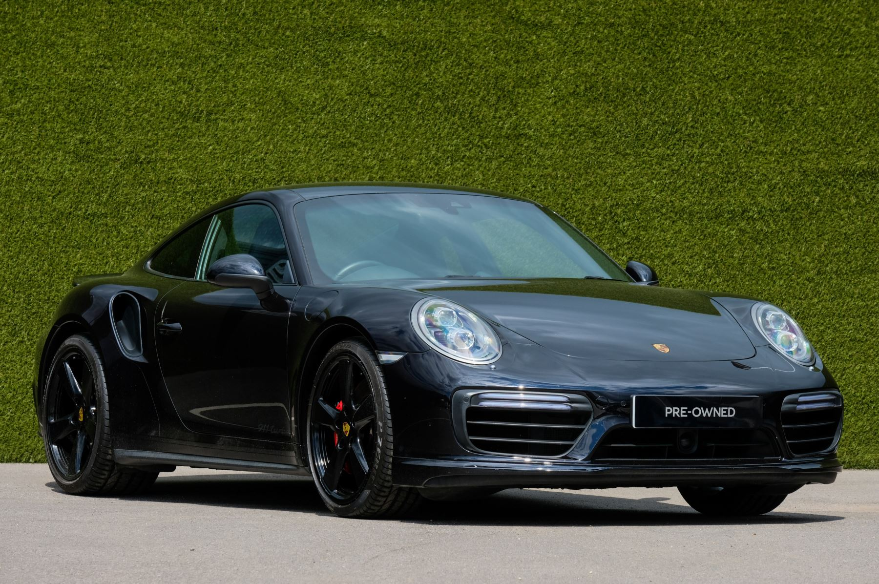 Porsche 911 PDK - Carbon interior package - Privacy Glass - 20 inch Sport Classic wheels image 1