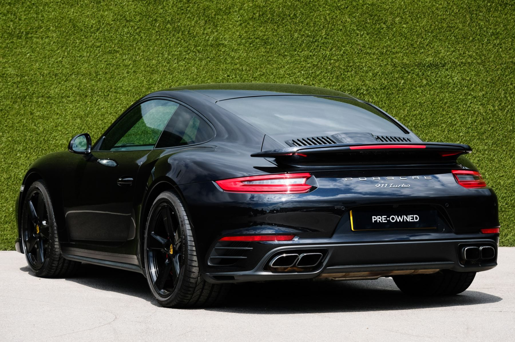 Porsche 911 PDK - Carbon interior package - Privacy Glass - 20 inch Sport Classic wheels image 5
