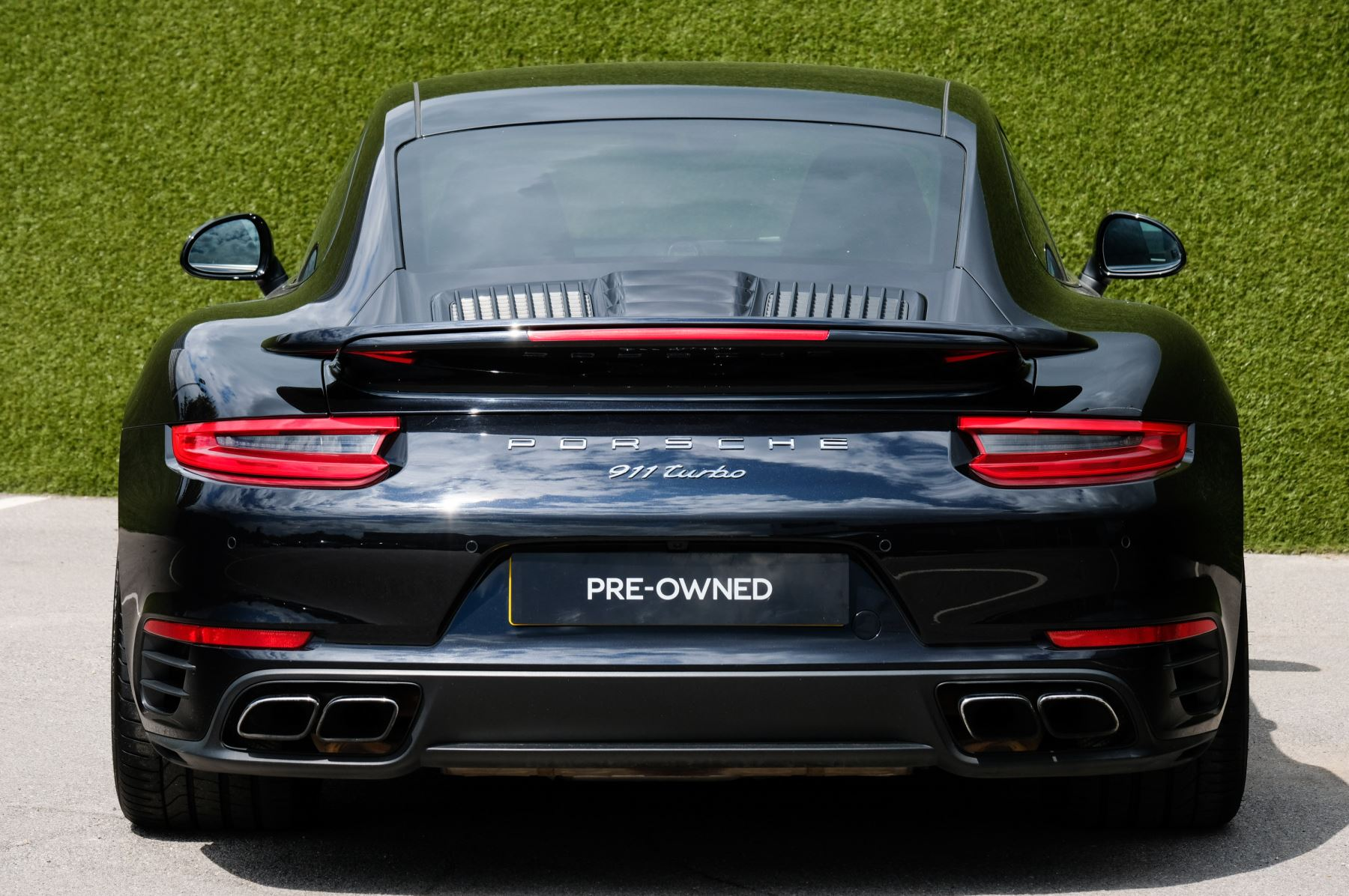 Porsche 911 PDK - Carbon interior package - Privacy Glass - 20 inch Sport Classic wheels image 4