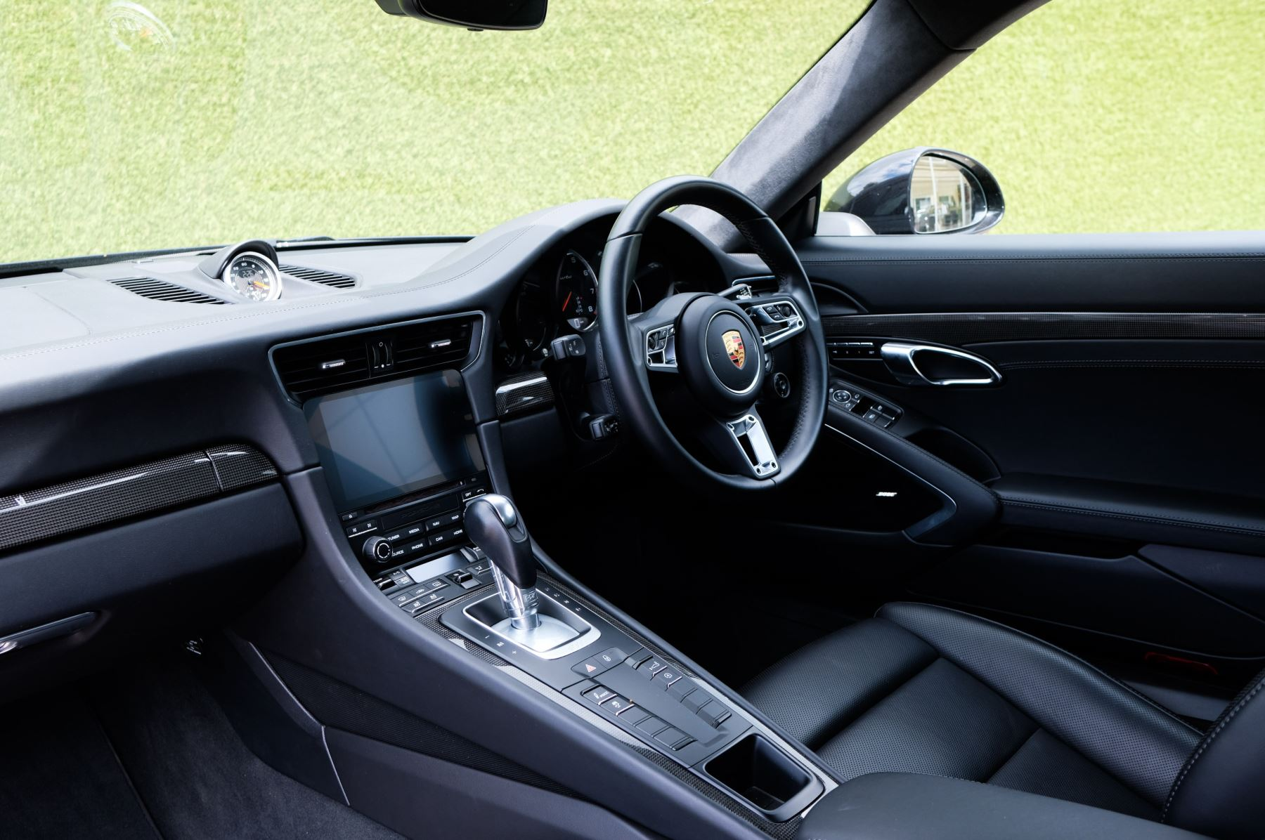 Porsche 911 PDK - Carbon interior package - Privacy Glass - 20 inch Sport Classic wheels image 18
