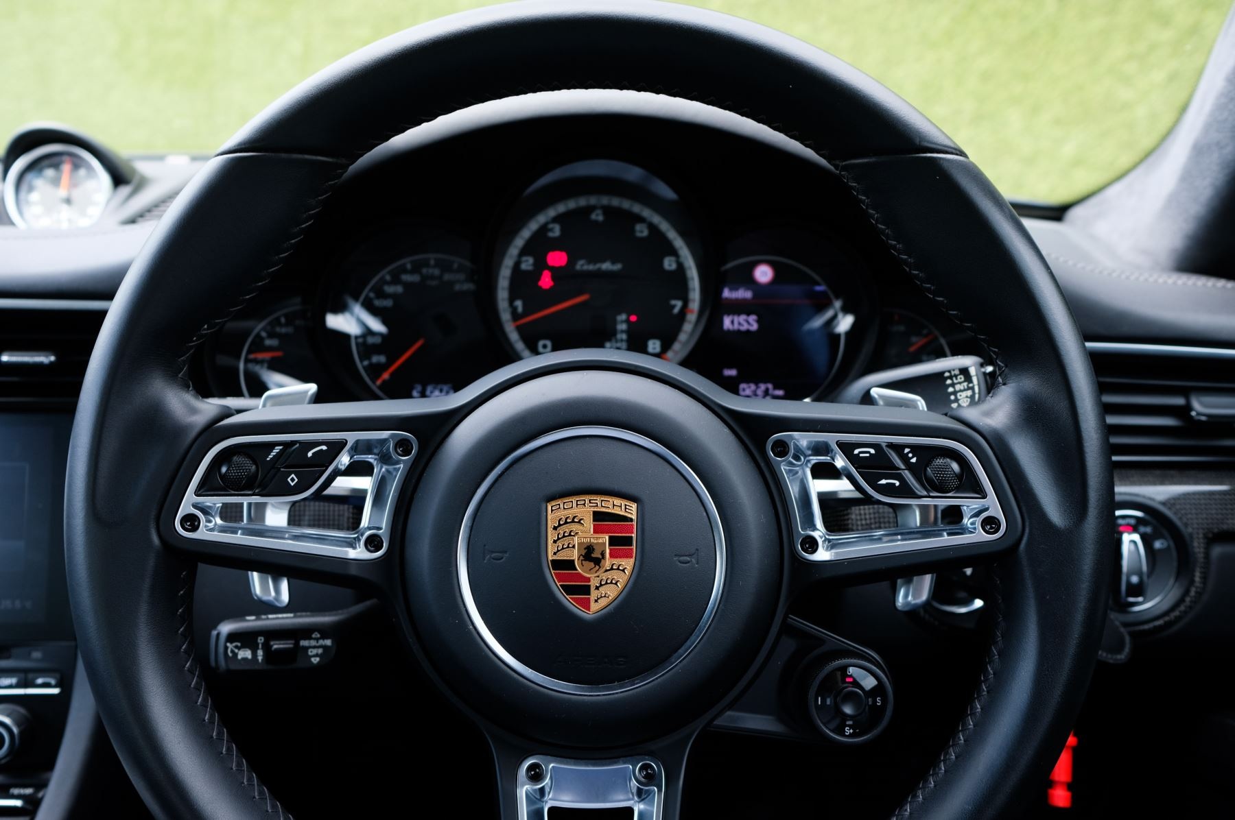 Porsche 911 PDK - Carbon interior package - Privacy Glass - 20 inch Sport Classic wheels image 21