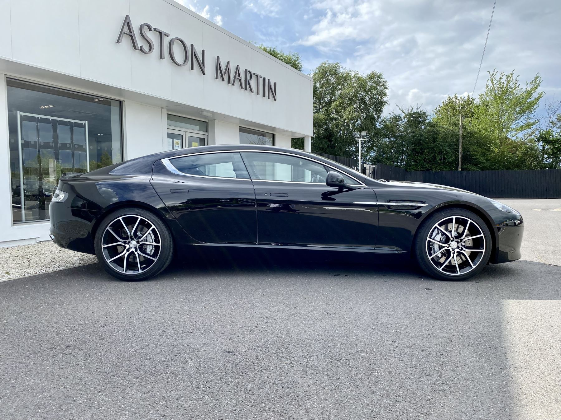 Aston Martin Rapide S V12 [552] 4dr Touchtronic III 8 Spd, Onyx Black And Obsidian Black Leather, Rear Seat Entertainment. image 8