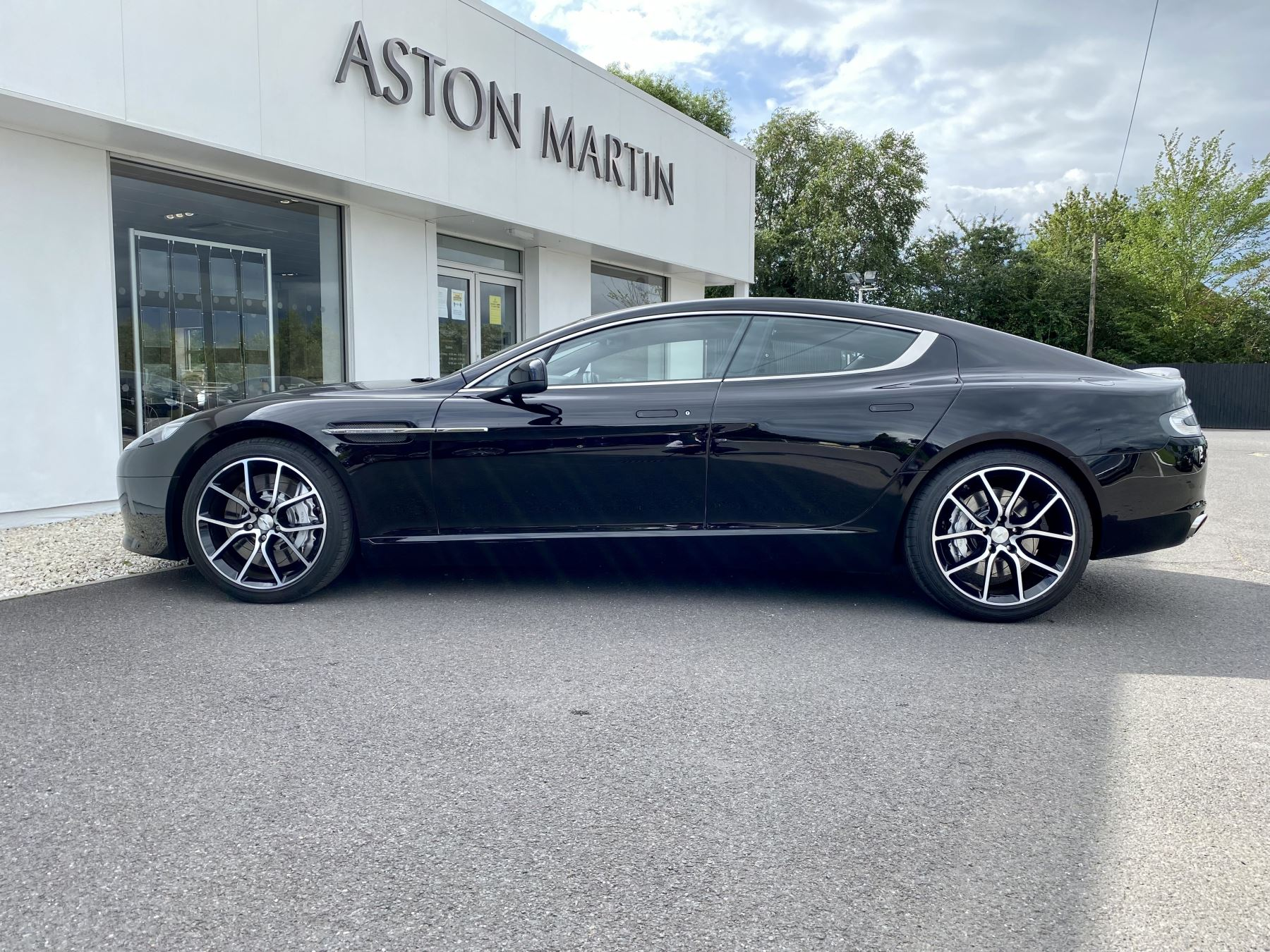 Aston Martin Rapide S V12 [552] 4dr Touchtronic III 8 Spd, Onyx Black And Obsidian Black Leather, Rear Seat Entertainment. image 4