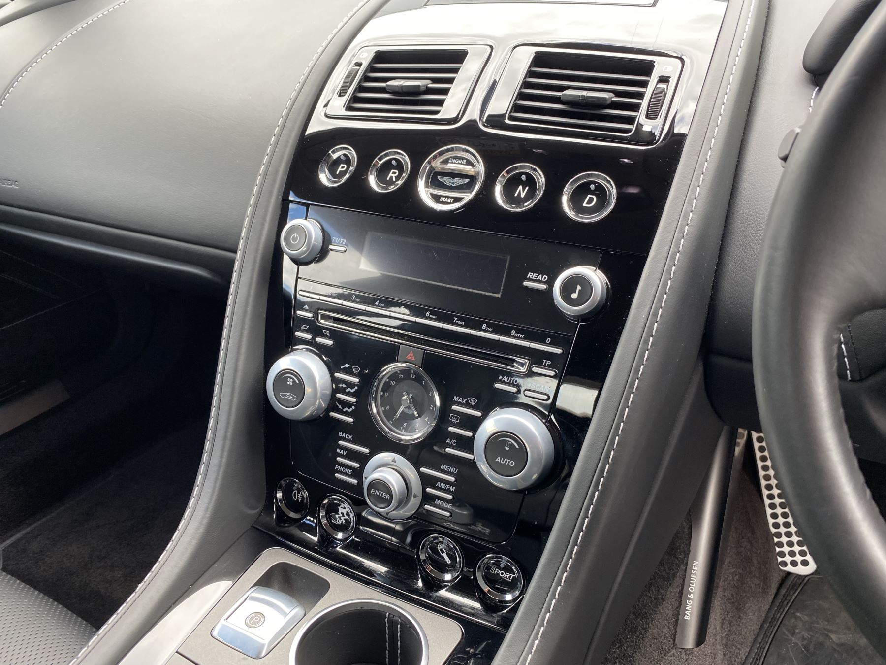 Aston Martin Rapide S V12 [552] 4dr Touchtronic III 8 Spd, Onyx Black And Obsidian Black Leather, Rear Seat Entertainment. image 23