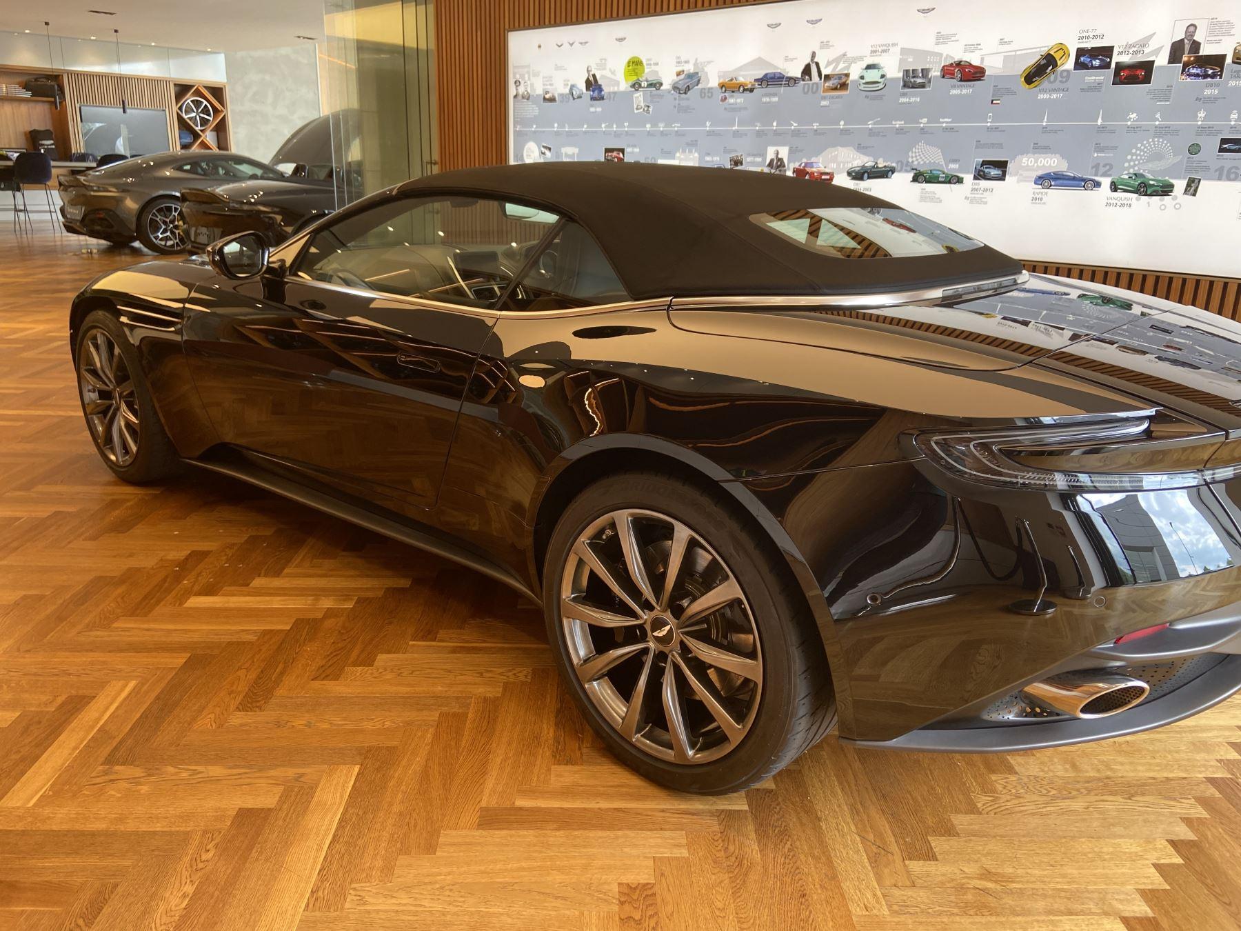 Aston Martin DB11 Volante V8 Volante Touchtronic image 4