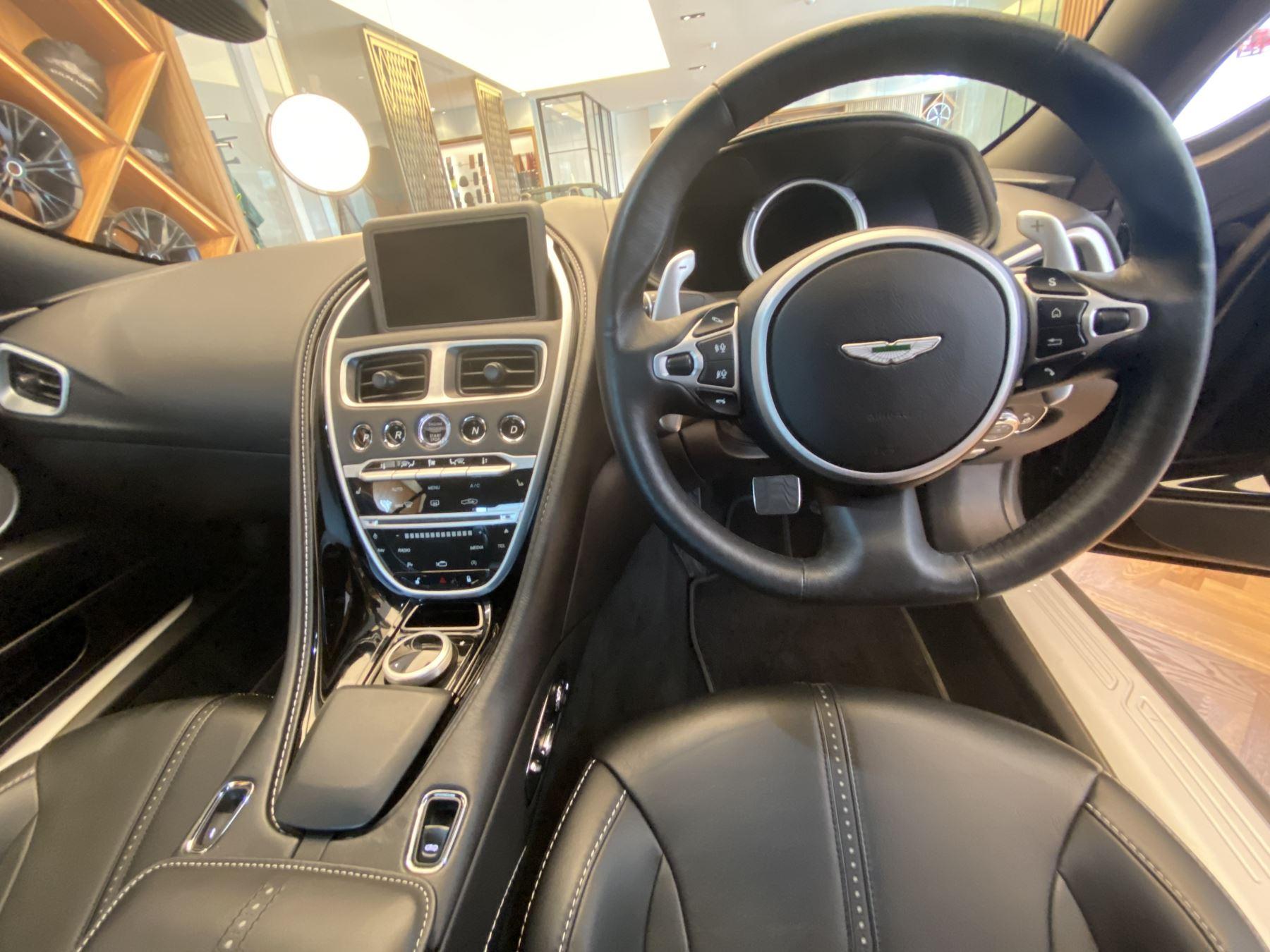 Aston Martin DB11 Volante V8 Volante Touchtronic image 13