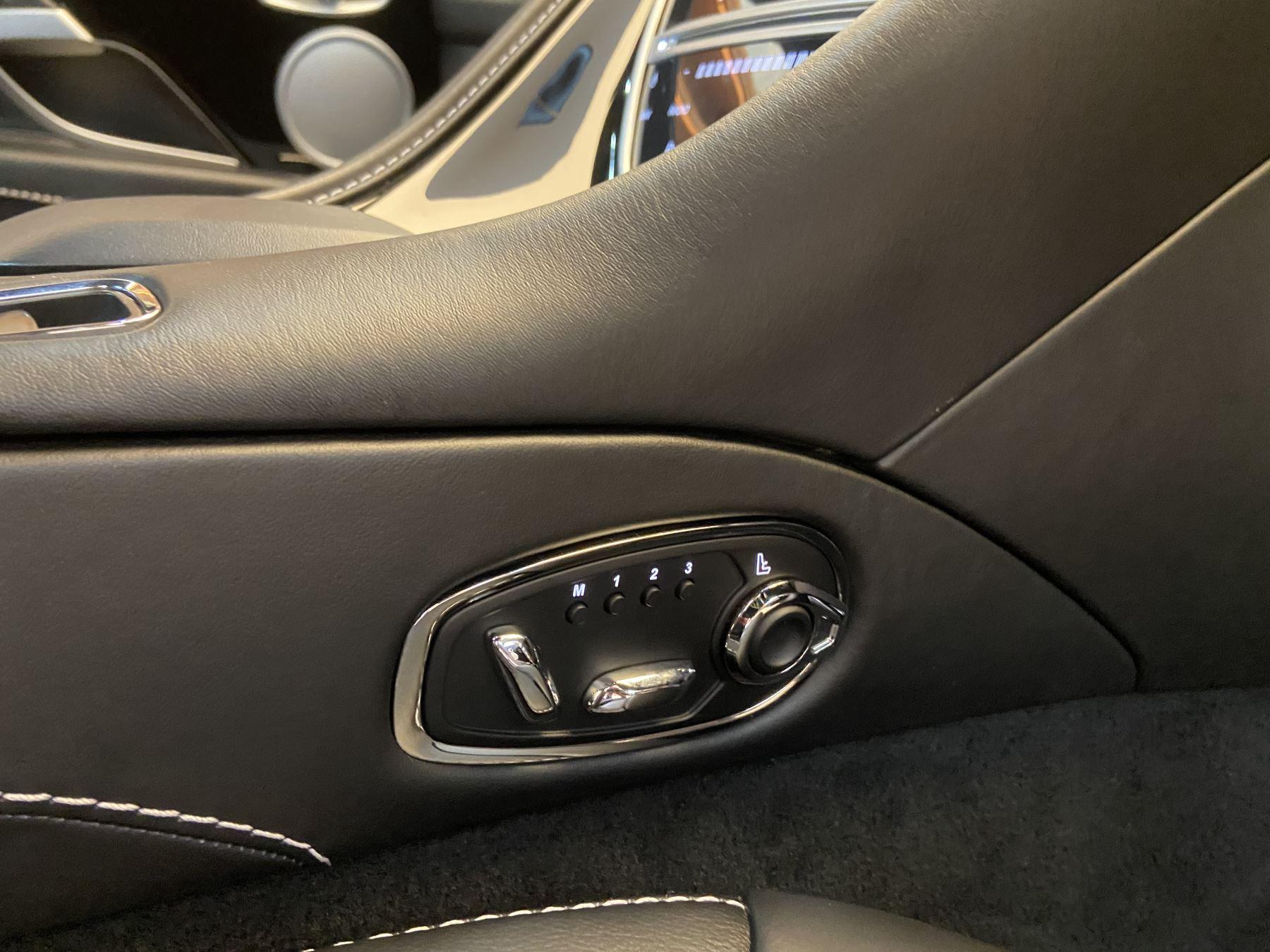 Aston Martin DB11 Volante V8 Volante Touchtronic image 25