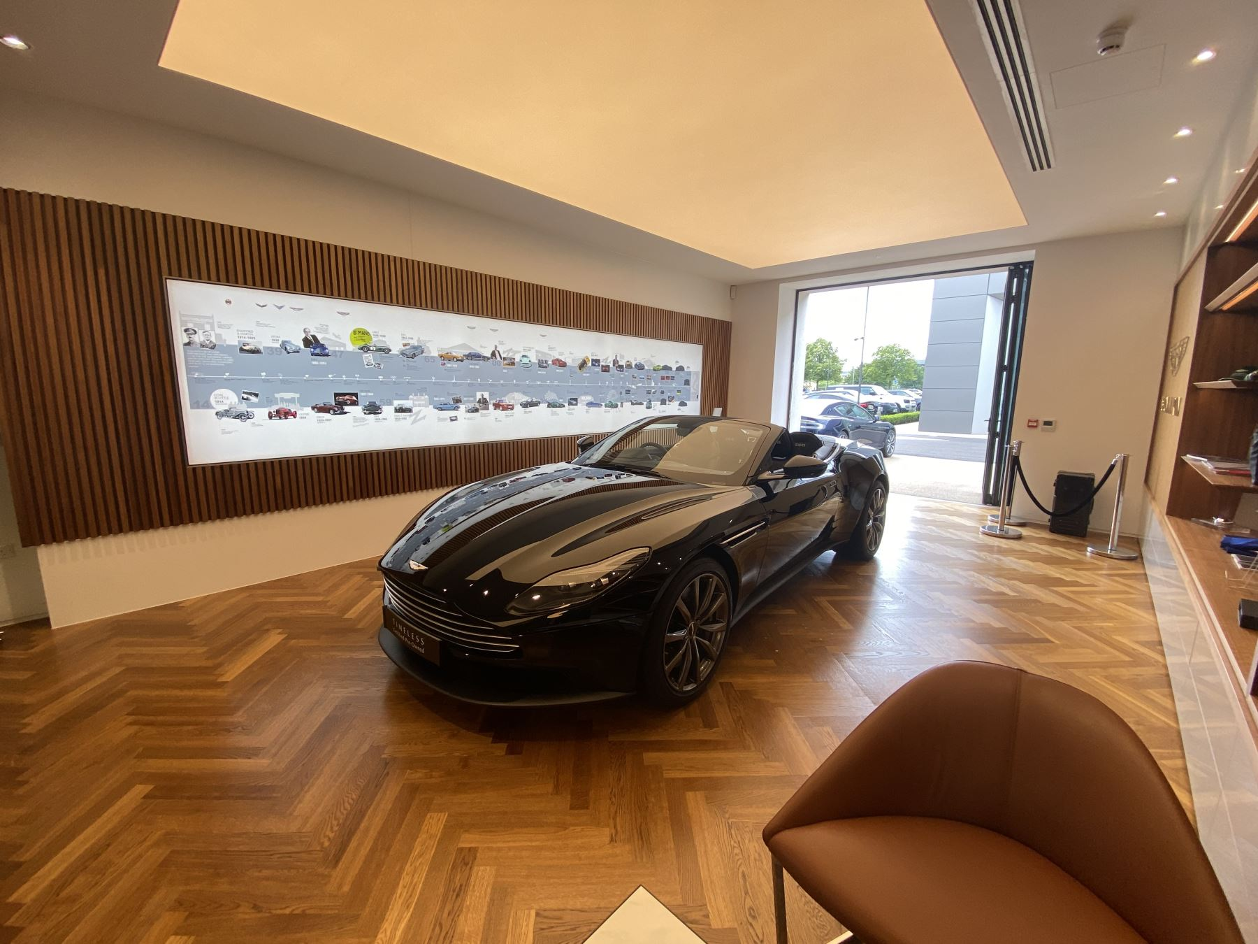 Aston Martin DB11 Volante V8 Volante Touchtronic image 28
