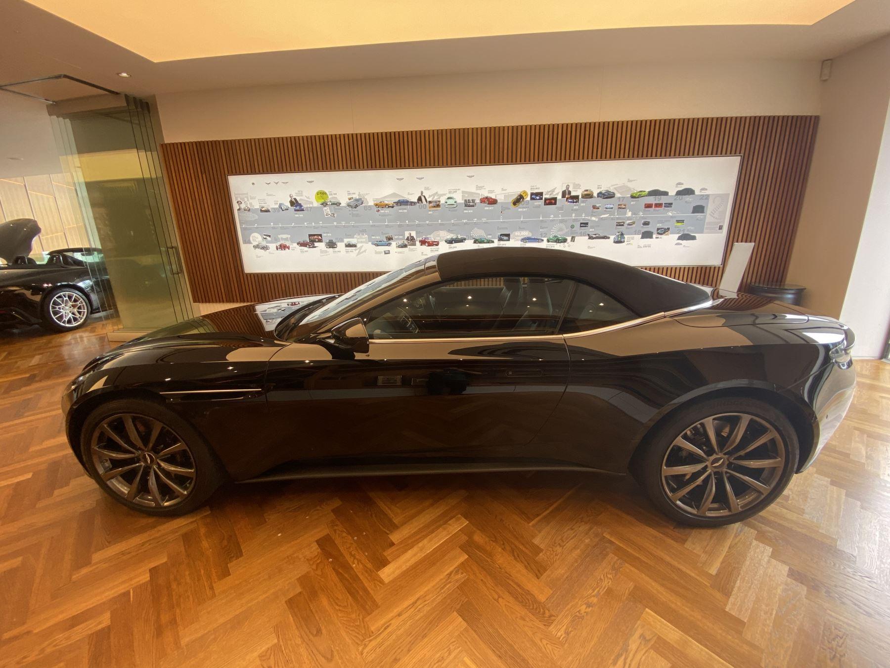 Aston Martin DB11 Volante V8 Volante Touchtronic image 30