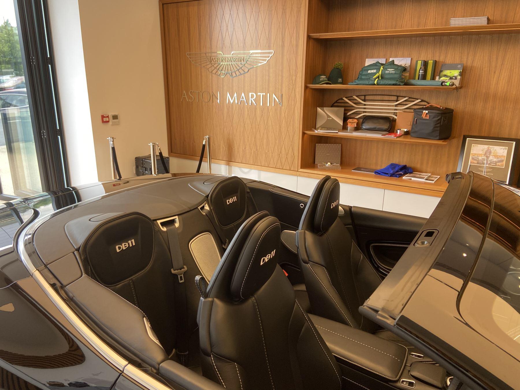 Aston Martin DB11 Volante V8 Volante Touchtronic image 32