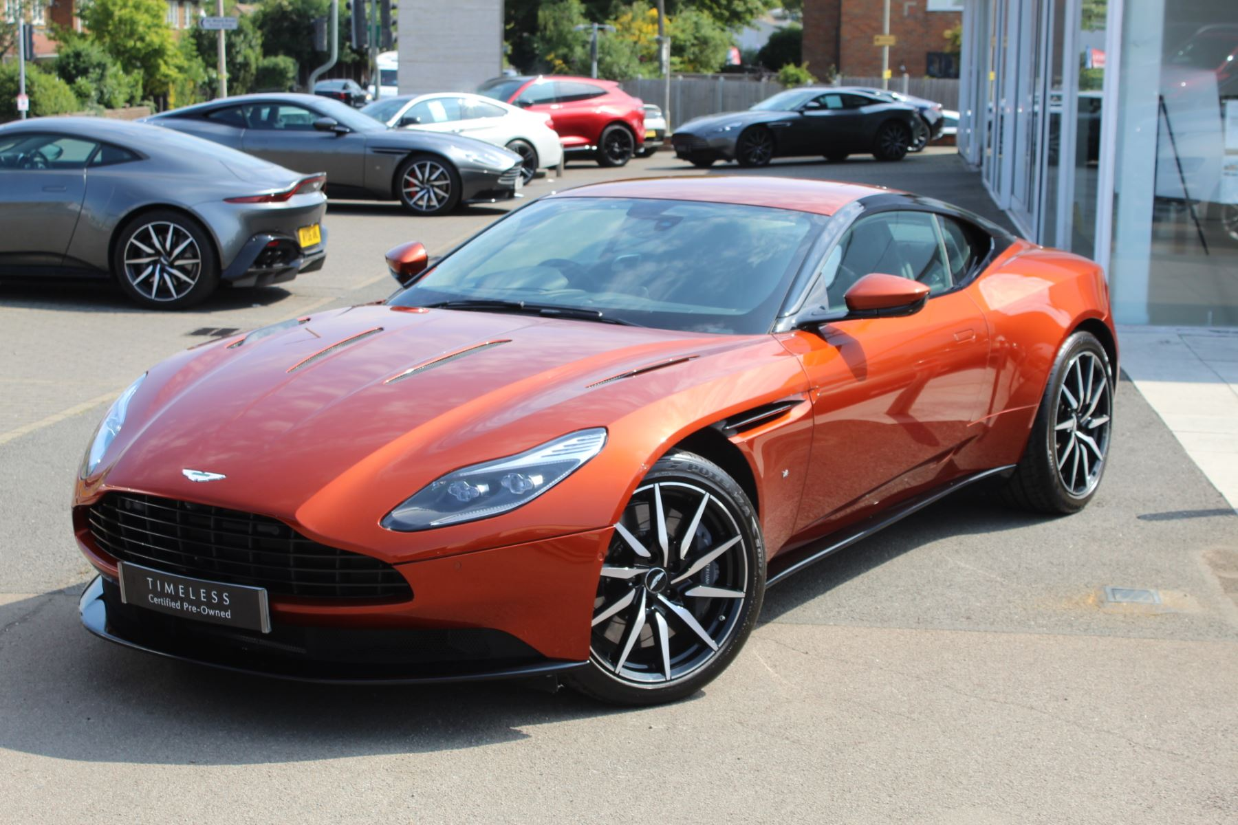 Aston Martin DB11 V12 2dr Touchtronic  Rare Launch Edition, 1 Owner  image 4