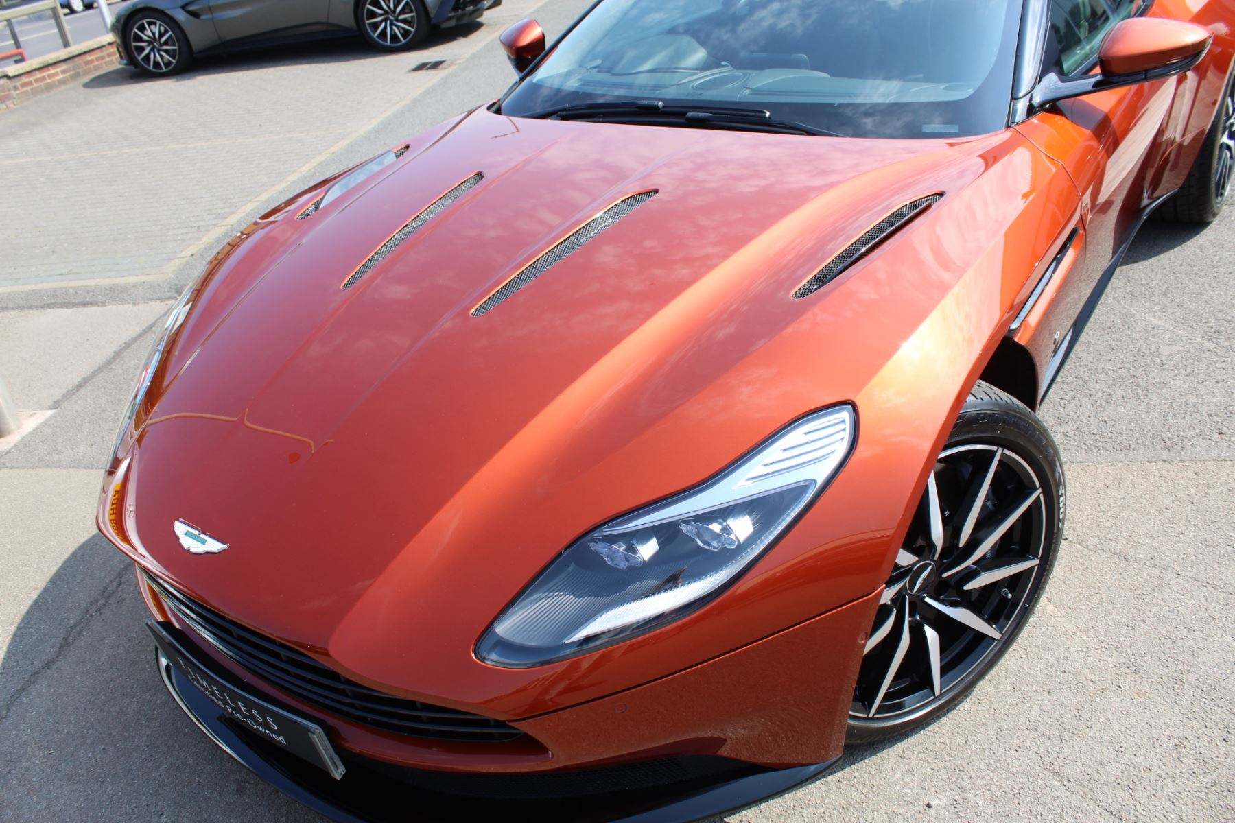 Aston Martin DB11 V12 2dr Touchtronic  Rare Launch Edition, 1 Owner  image 25