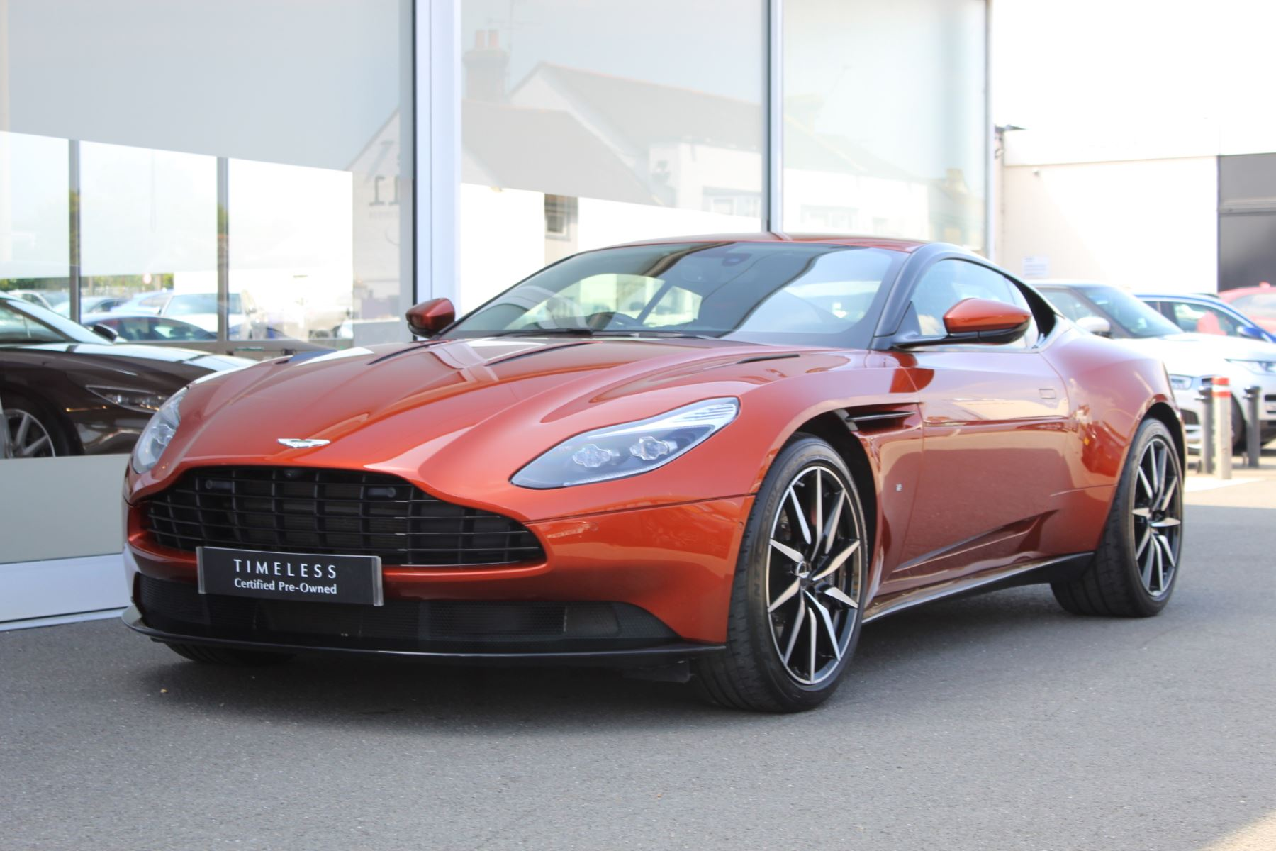Aston Martin DB11 V12 2dr Touchtronic  Rare Launch Edition, 1 Owner  image 7