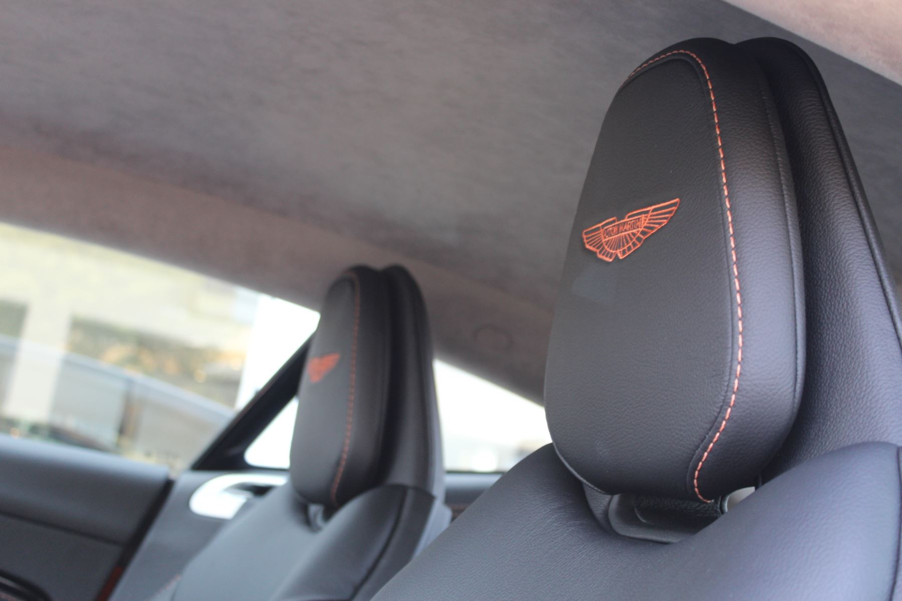 Aston Martin DB11 V12 2dr Touchtronic  Rare Launch Edition, 1 Owner  image 15