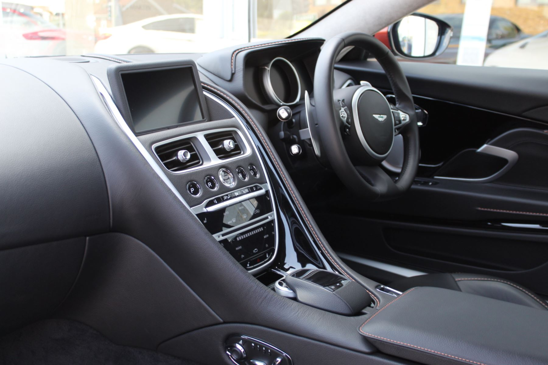 Aston Martin DB11 V12 2dr Touchtronic  Rare Launch Edition, 1 Owner  image 16