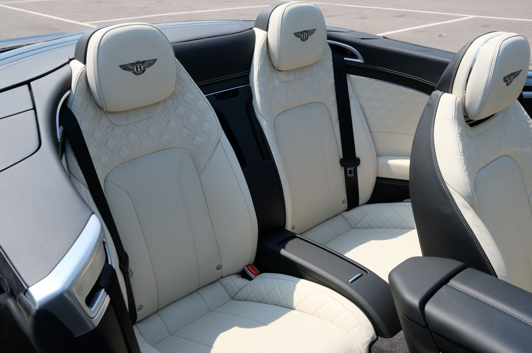 Bentley Continental GTC 6.0 W12 - Mulliner Driving Specification and Centenary Specification image 12