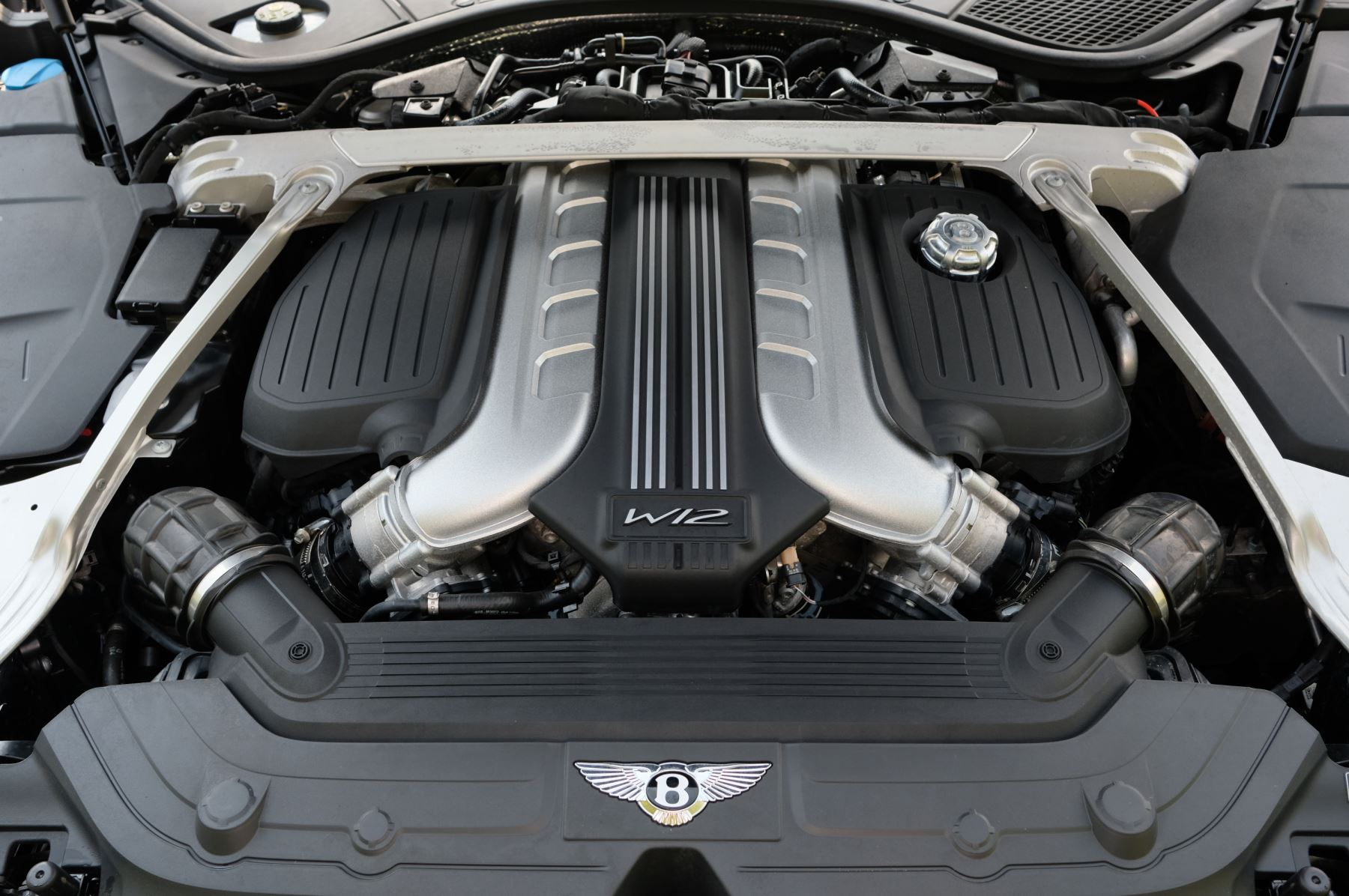 Bentley Continental GTC 6.0 W12 - Mulliner Driving Specification and Centenary Specification image 11